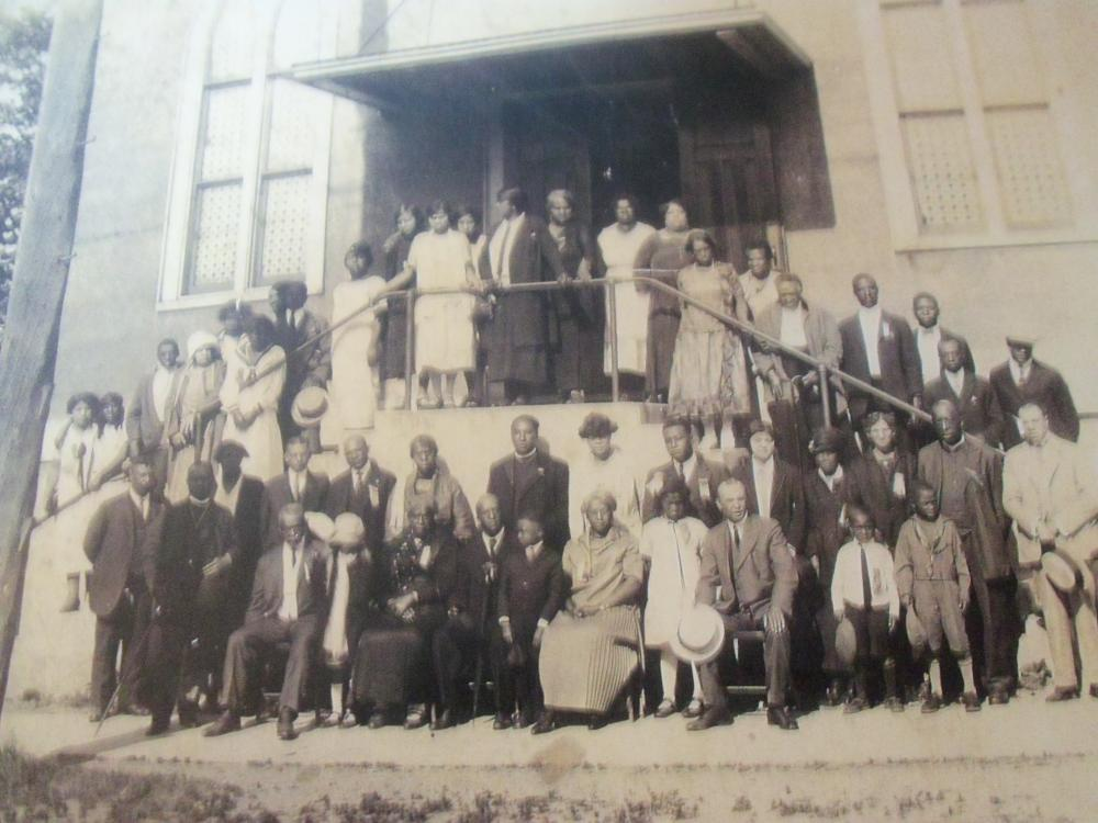 Worshipers at the church in the 1920s.