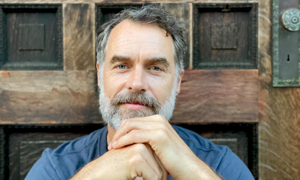 Murray Bartlett, star of the White Lotus, has had many well-known acting jobs but finally has his breakout role at the age of 50.