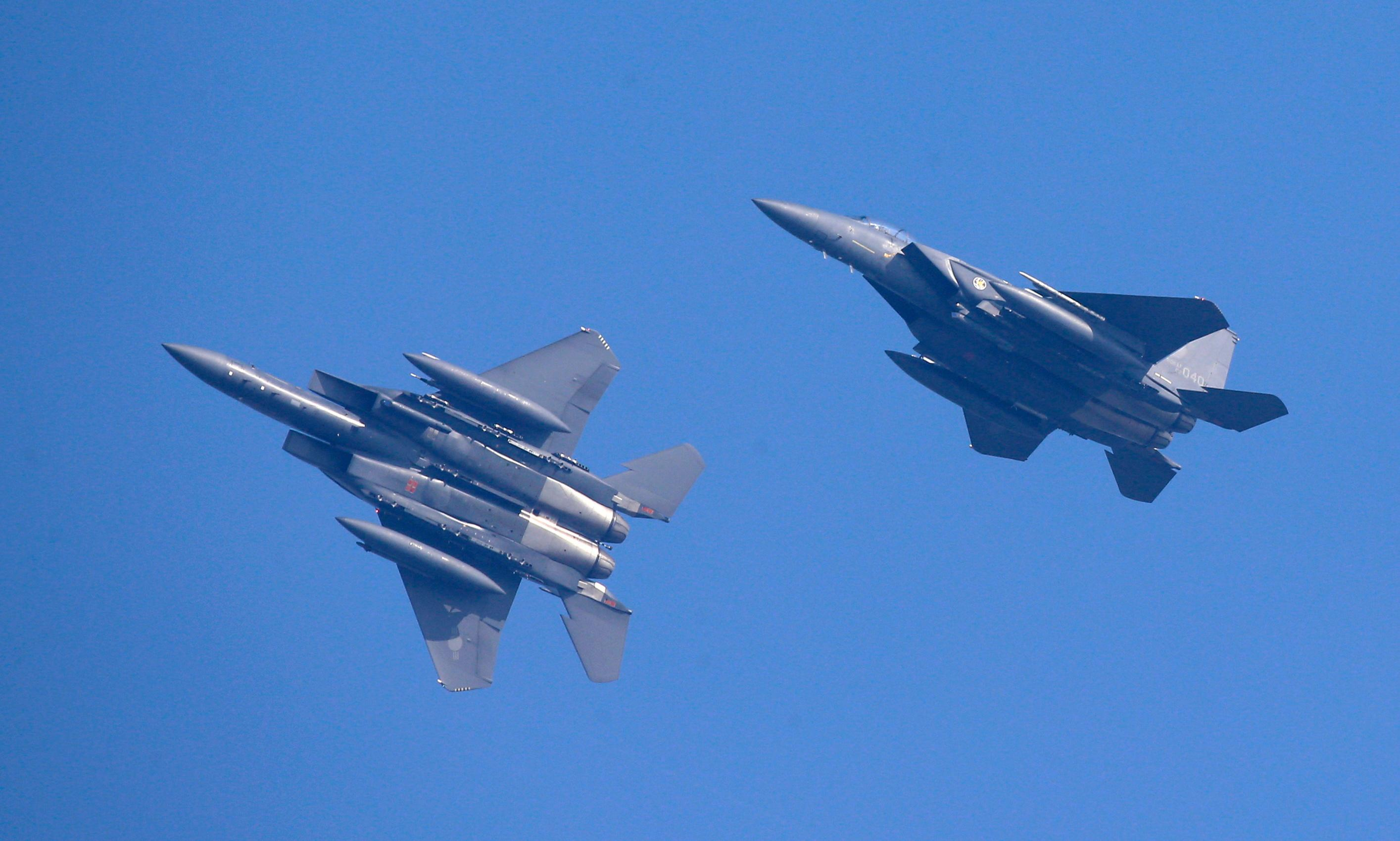 South Korean jets fire warning shots at Russian planes after airspace violation