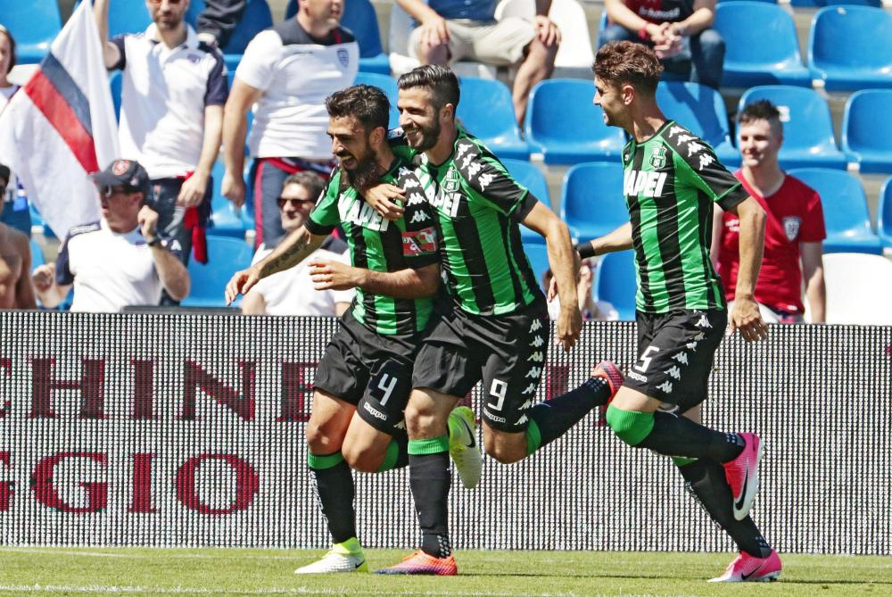 Sassuolo's Francesco Magnanelli celebrates after scoring a goal against Cagliari