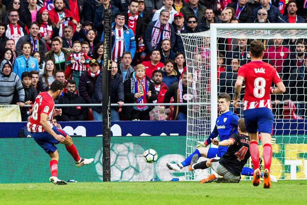 Diego Costa makes it 2-0 for Atlético Madrid against Athletic Bilbao.
