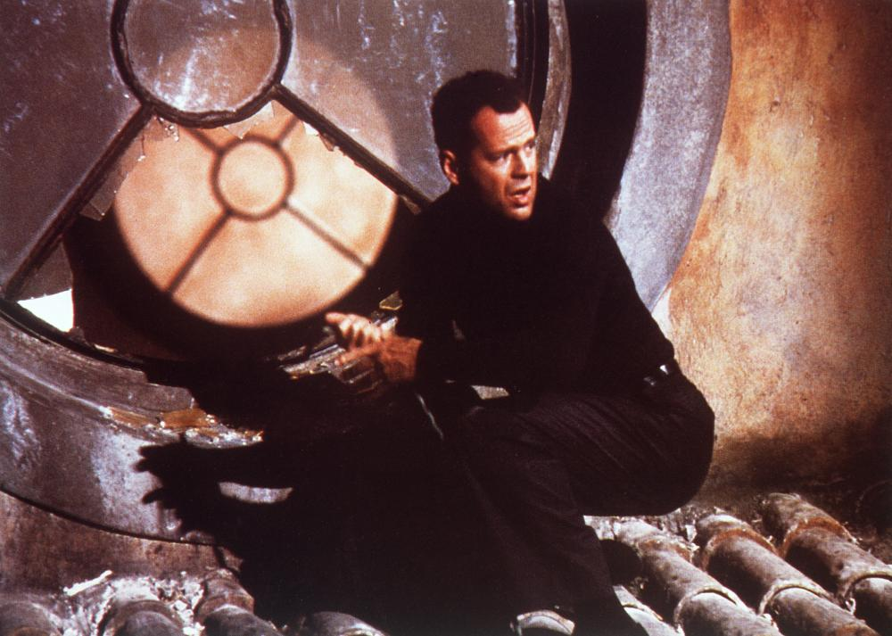Die Horribly: Bruce Willis in the critically reviled crime caper Hudson Hawk (1991).