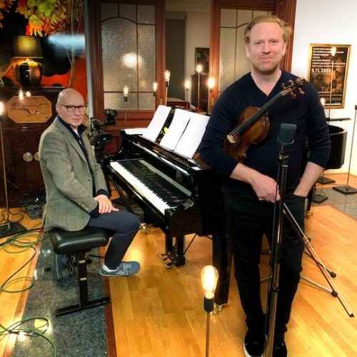 Violinist Daniel Hope and pianist Christoph Israel broadcasting live Hope from Home March 2020