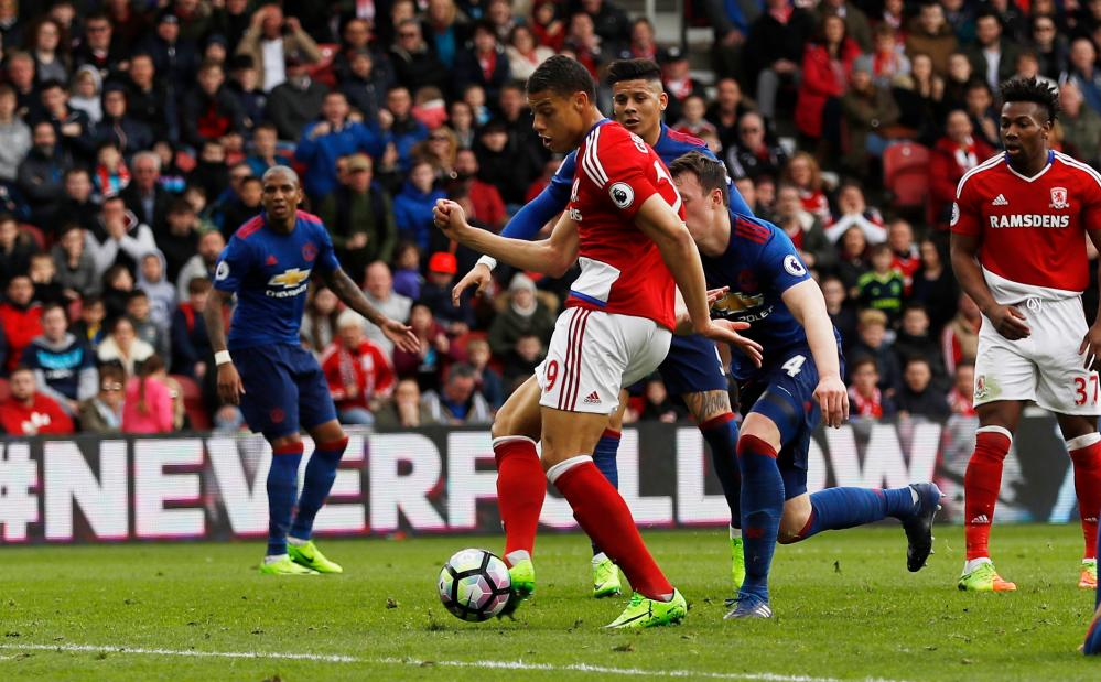 Middlesbrough's Rudy Gestede scores their first goal to make it 1-2