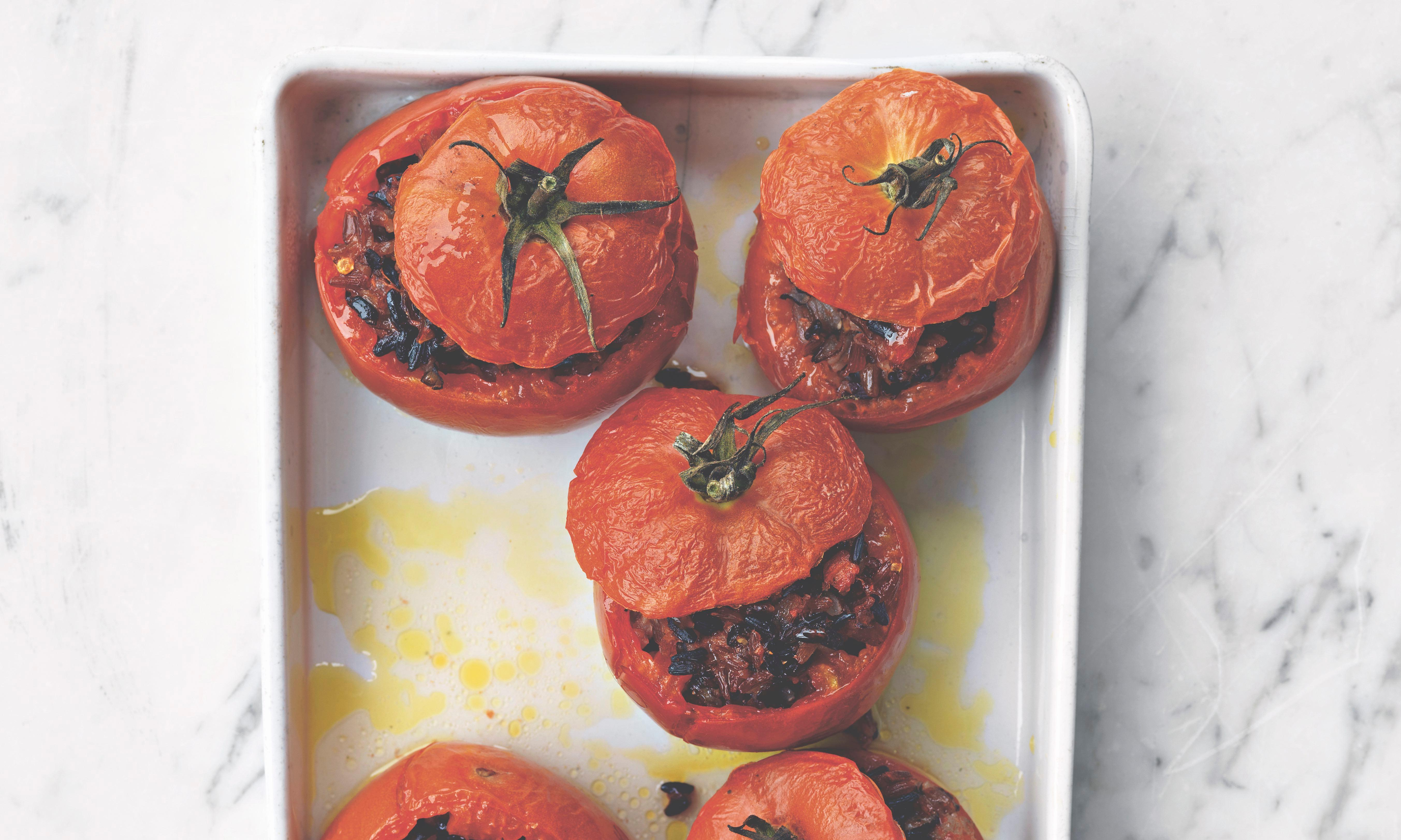 No-waste cooking: stuffed tomatoes with leftover rice