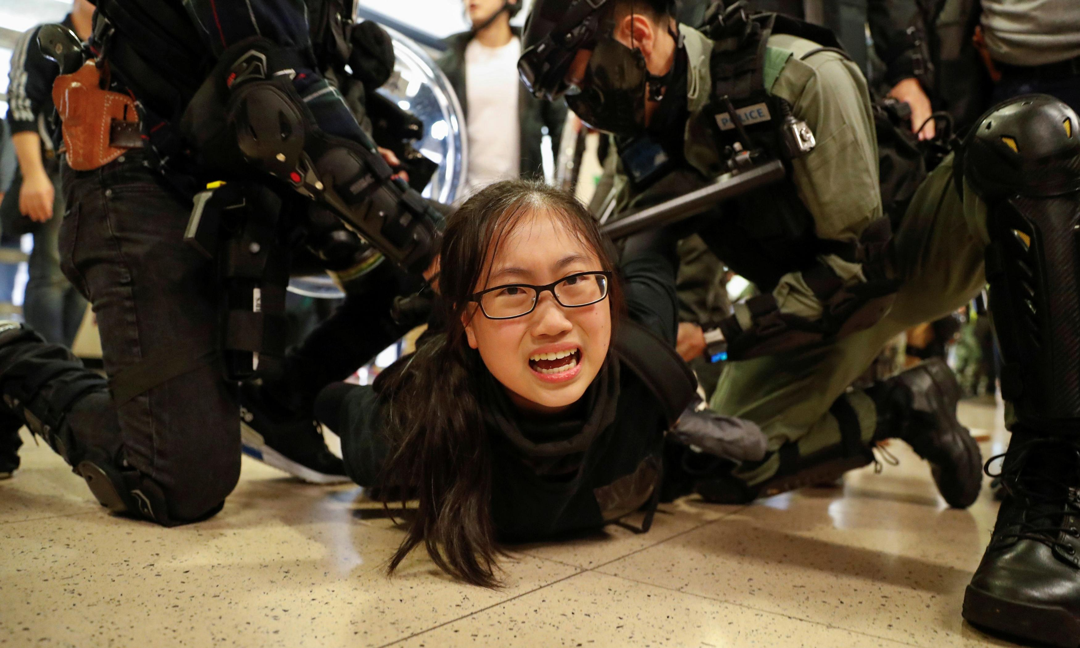 Hong Kong violence breaks out again in shopping centres