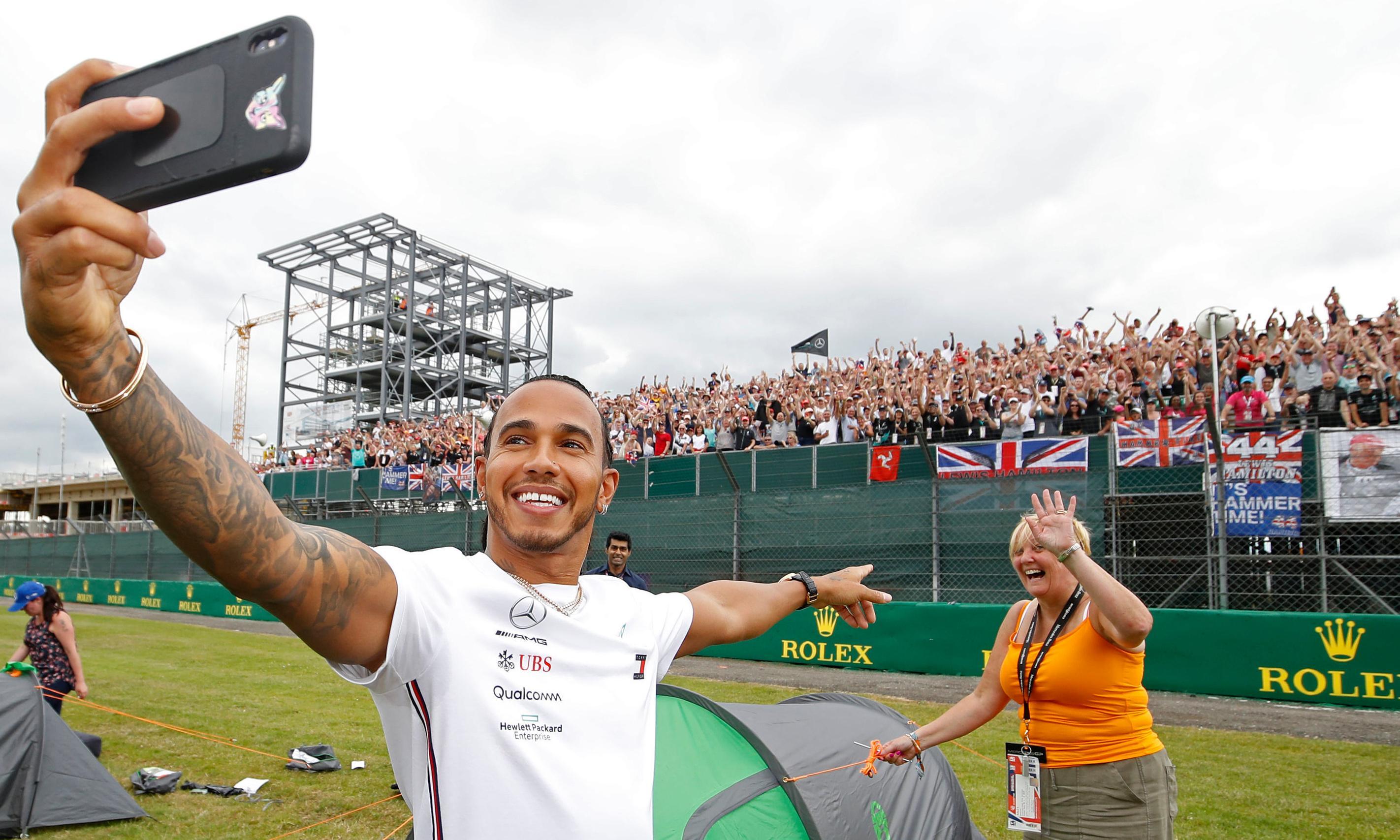 British Grand Prix should not clash with Wimbledon, says Lewis Hamilton