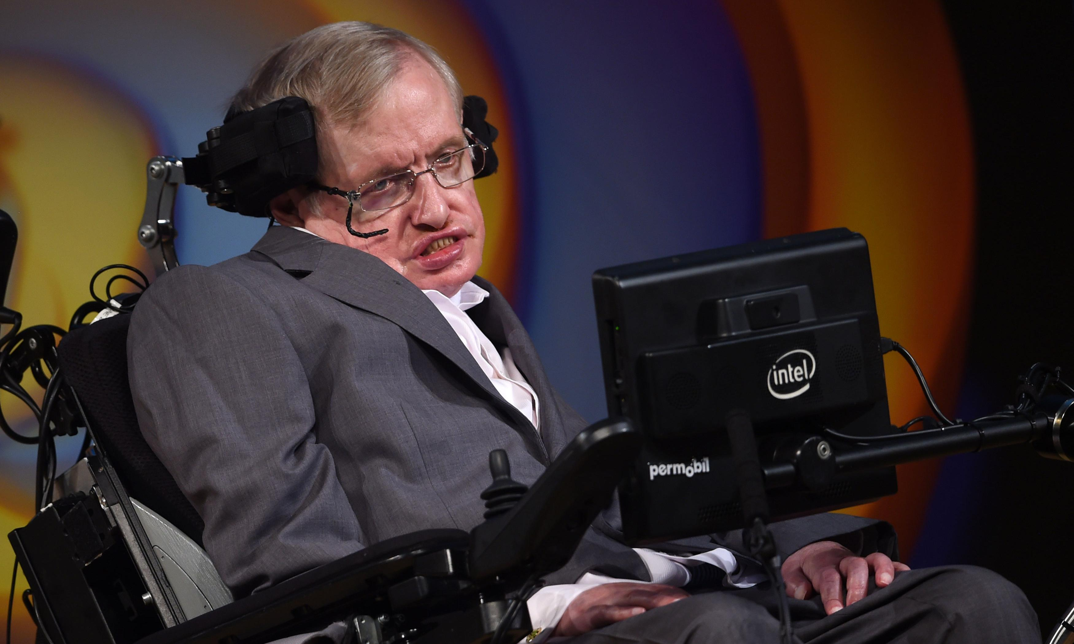 Essays reveal Stephen Hawking predicted race of 'superhumans'