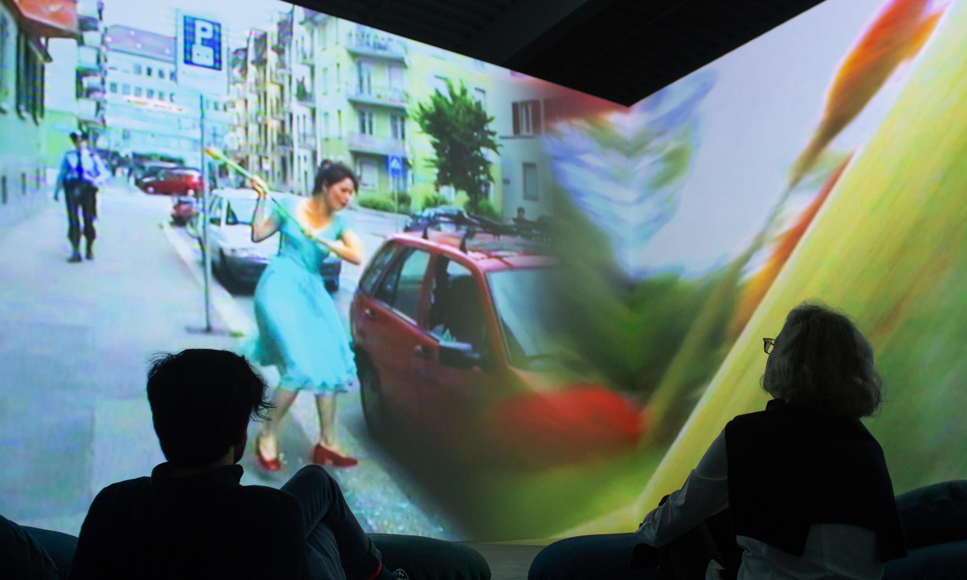 Smashed cars and Chinese chewing: the five masterpieces of video art