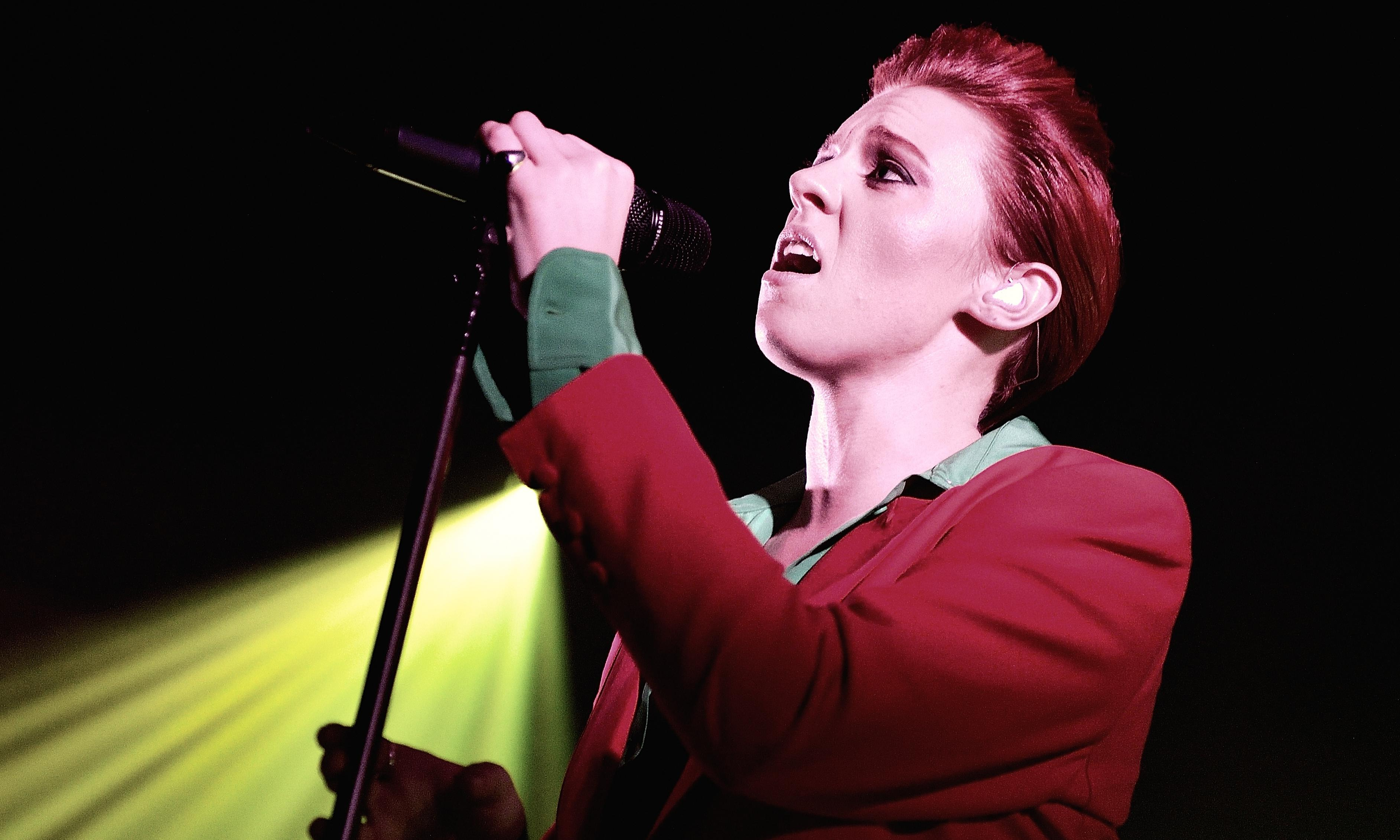 La Roux furious over use of song to promote bulletproof backpacks