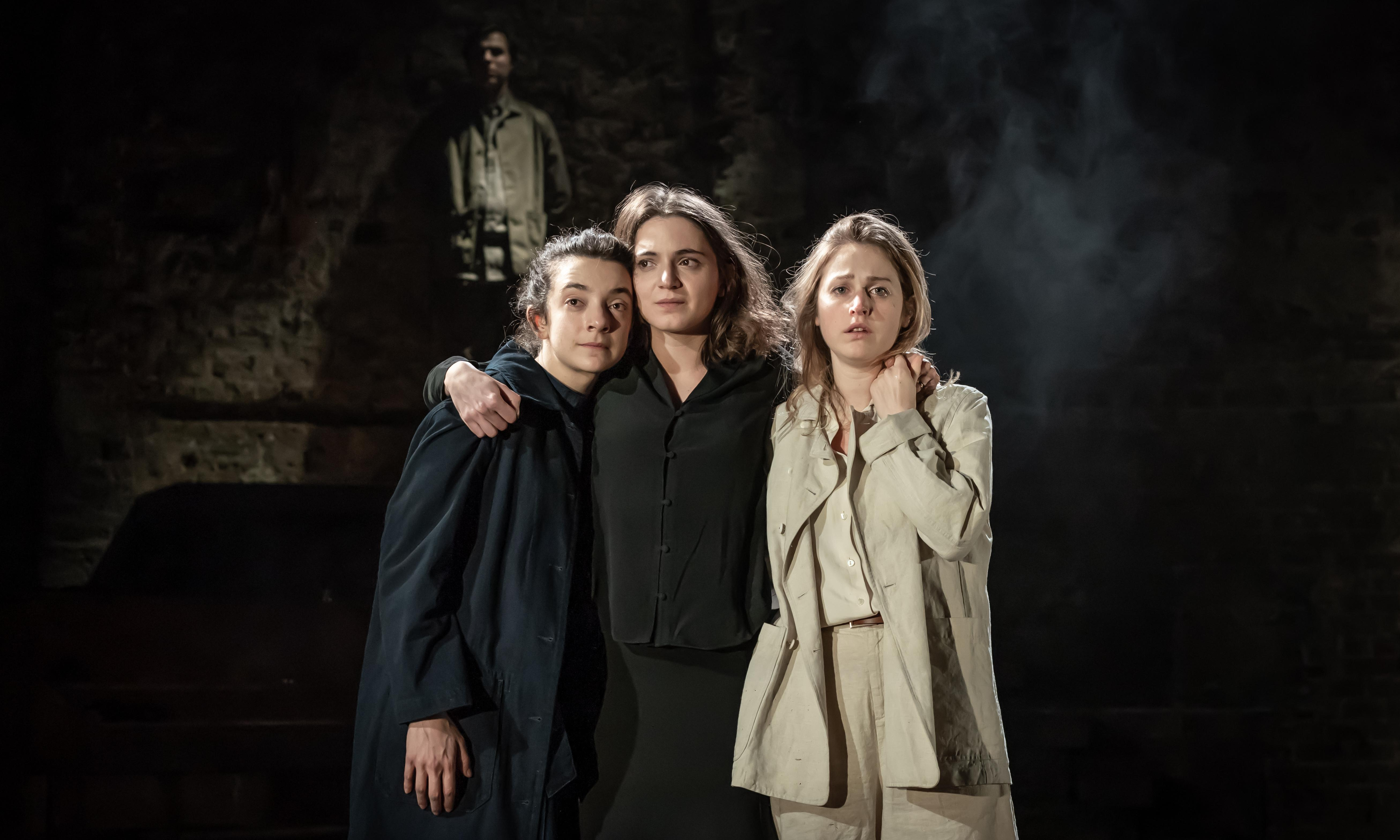 Three Sisters review – Frecknall and Ferran reunite for clannish Chekhov