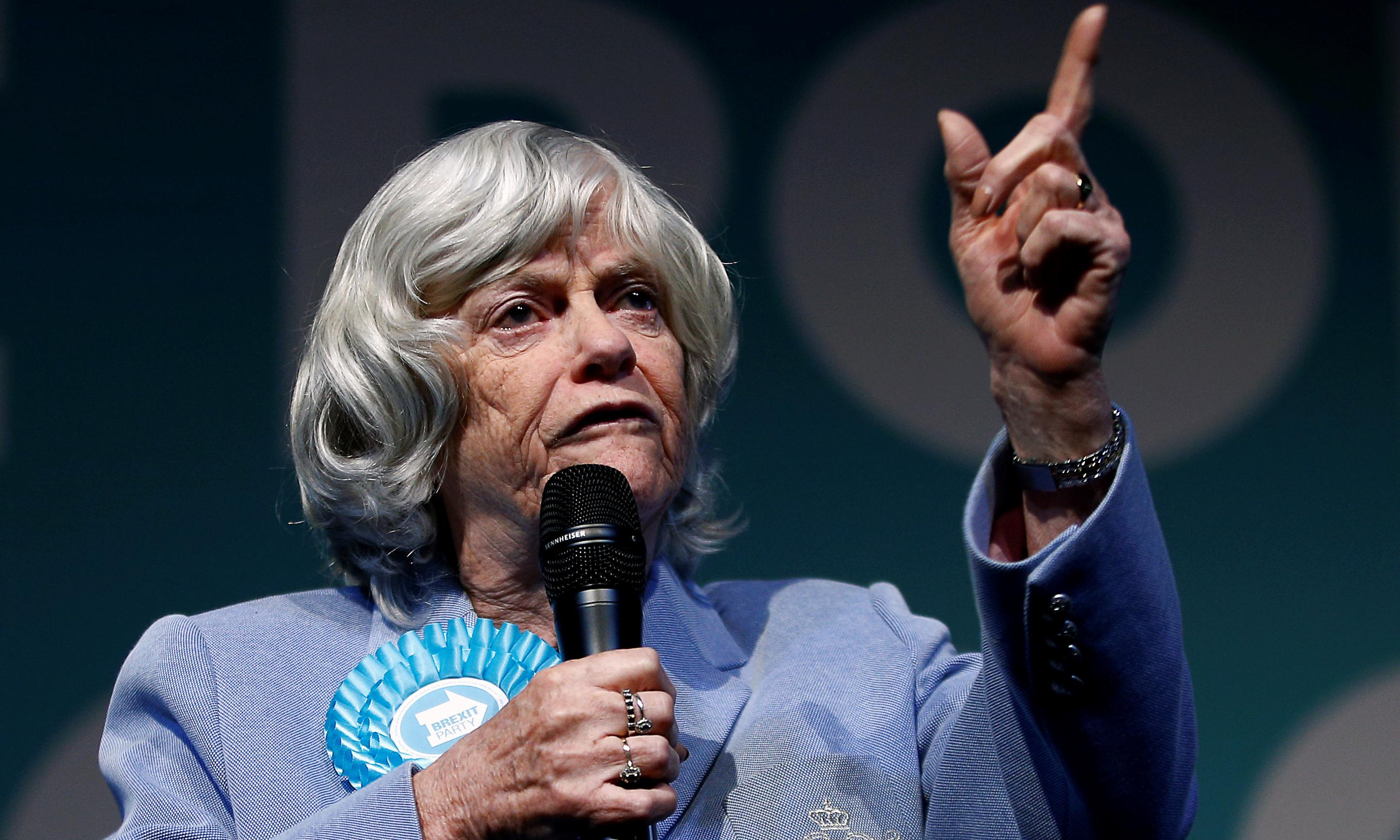 Ann Widdecombe show in Lancashire theatre to go ahead amid gay remarks row