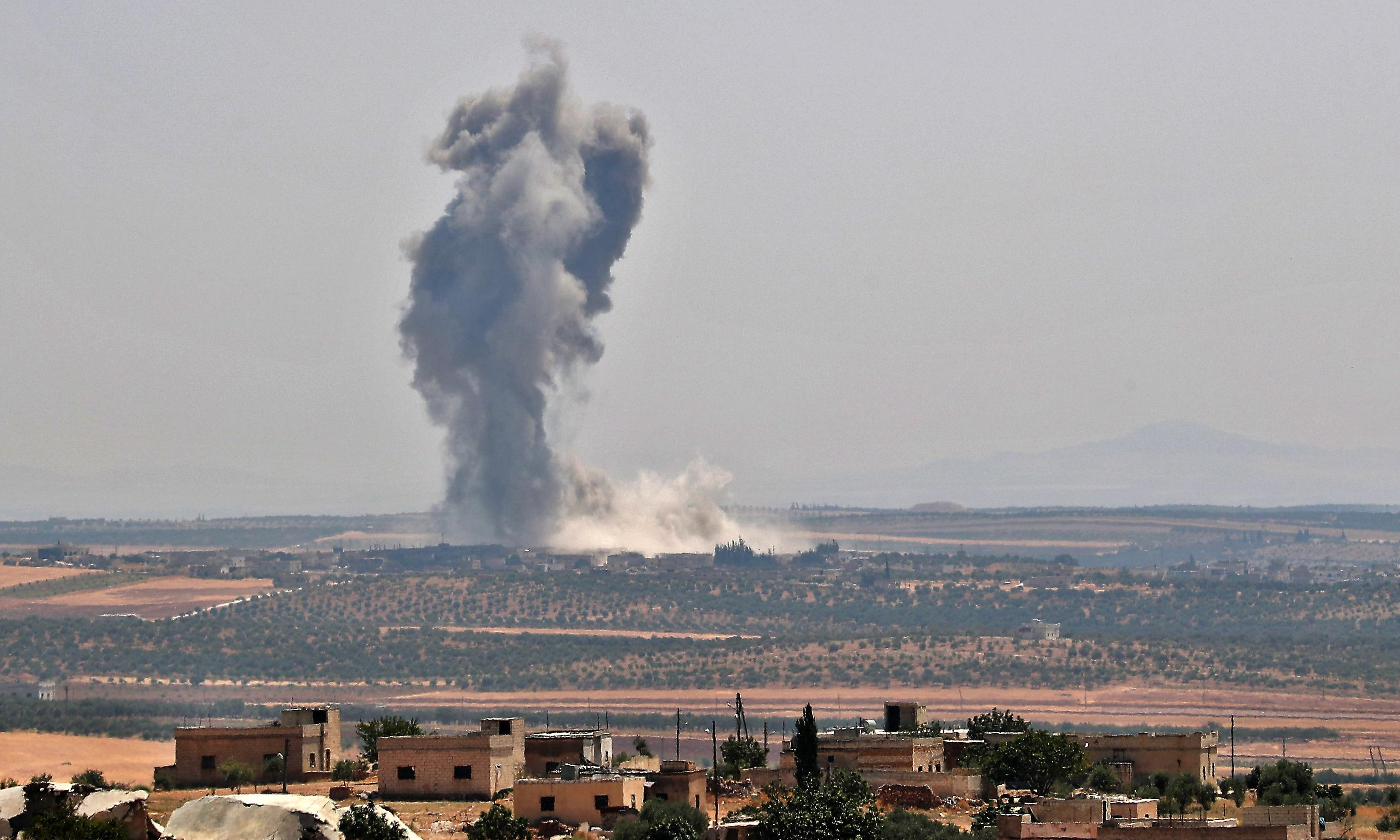 Rebels withdraw in key Syrian town as pro-Assad troops advance