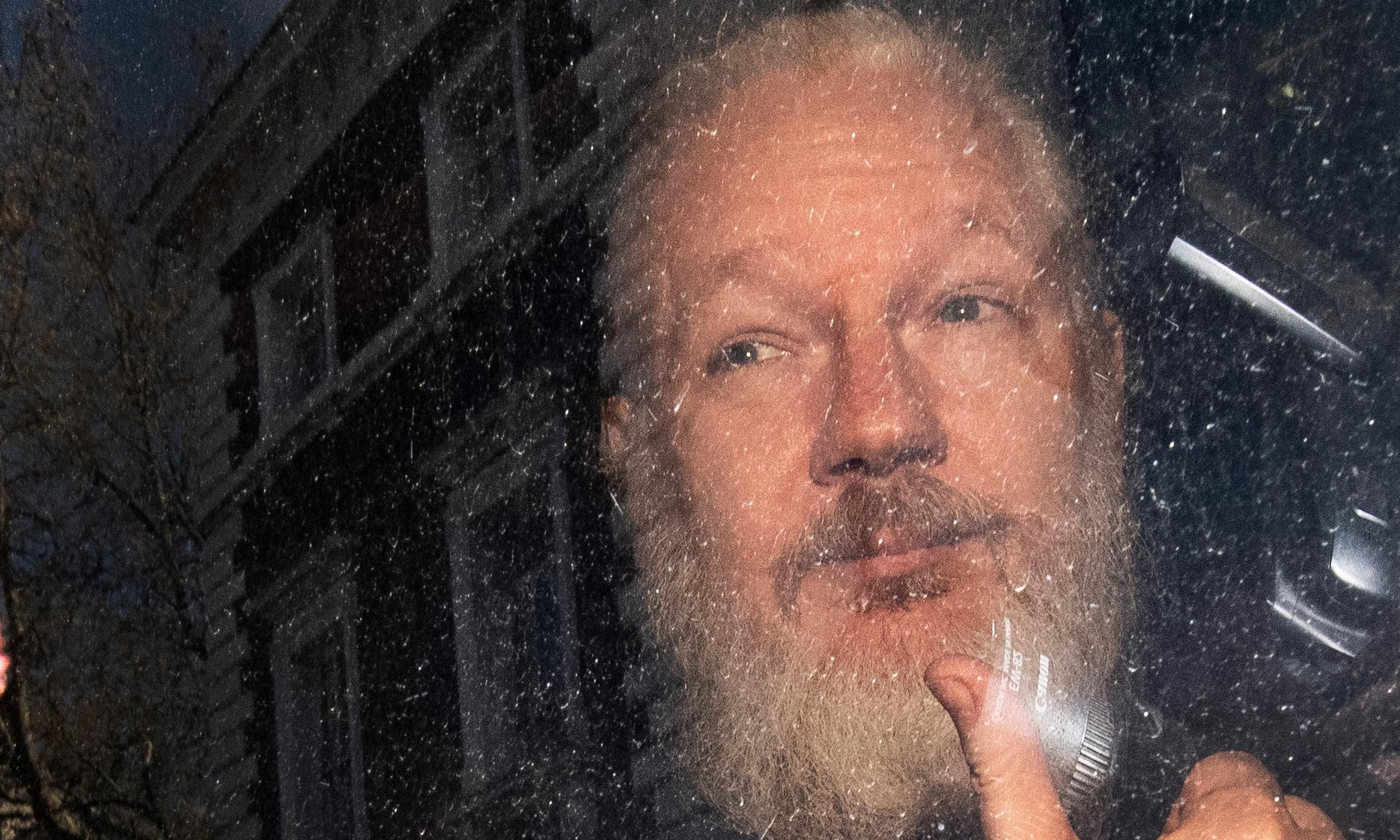 Lawyers complain about lack of access to Julian Assange in jail