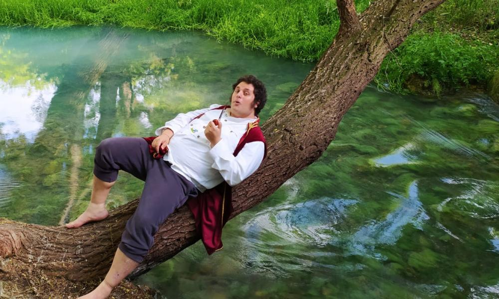 Pics for Tondo Hobbit story