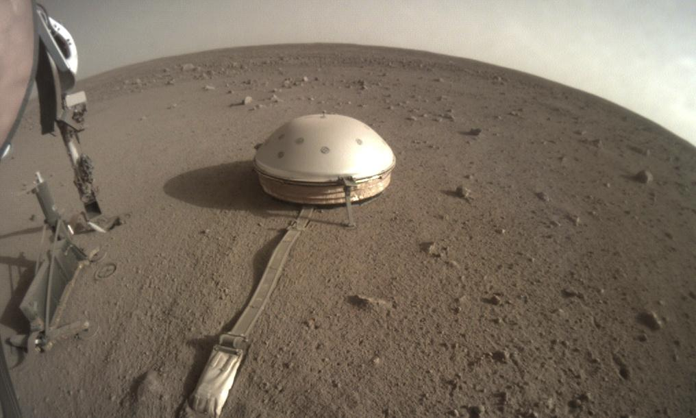 Nasa's InSight lander records hundreds of marsquakes on red planet