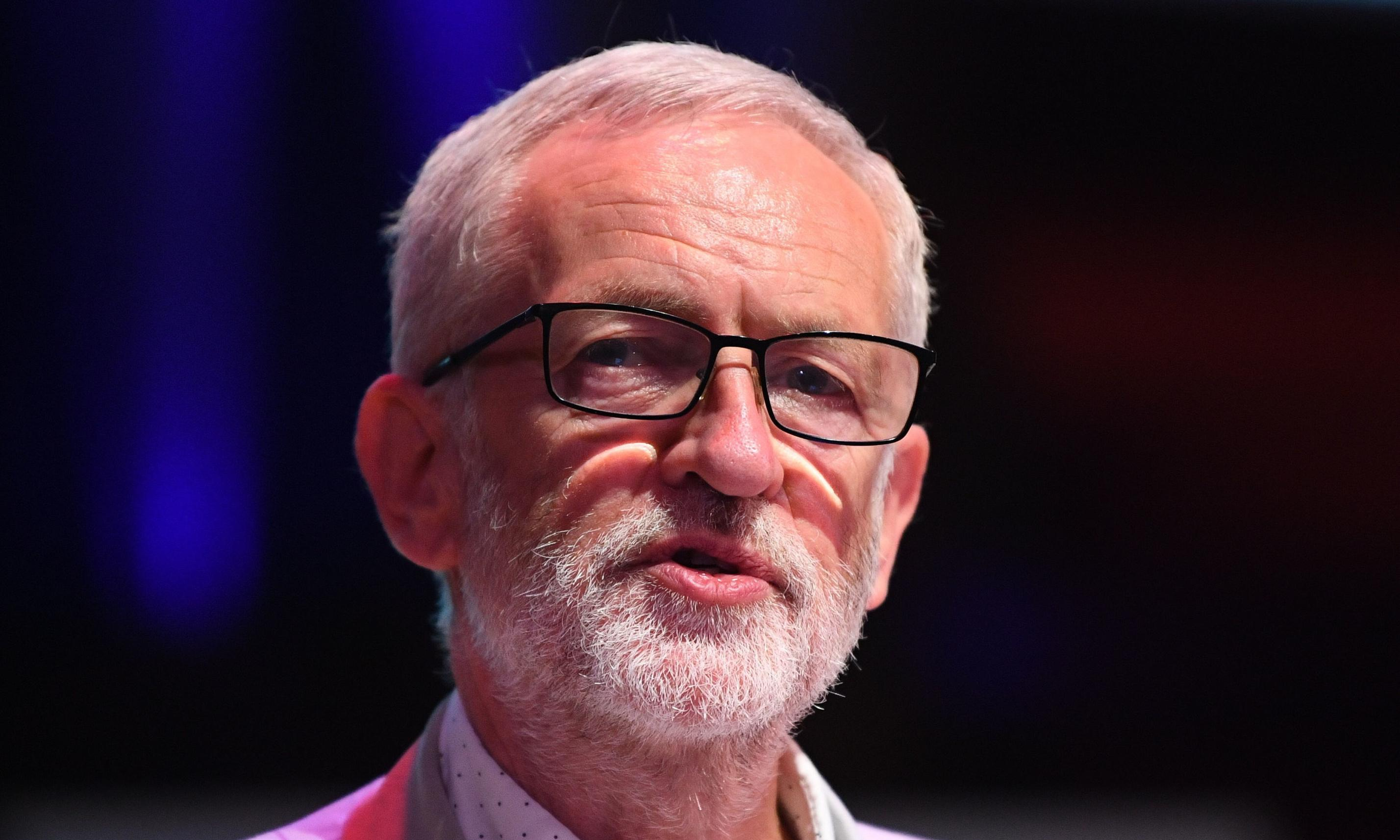 Jeremy Corbyn apologises for 'hurt' to Jewish people