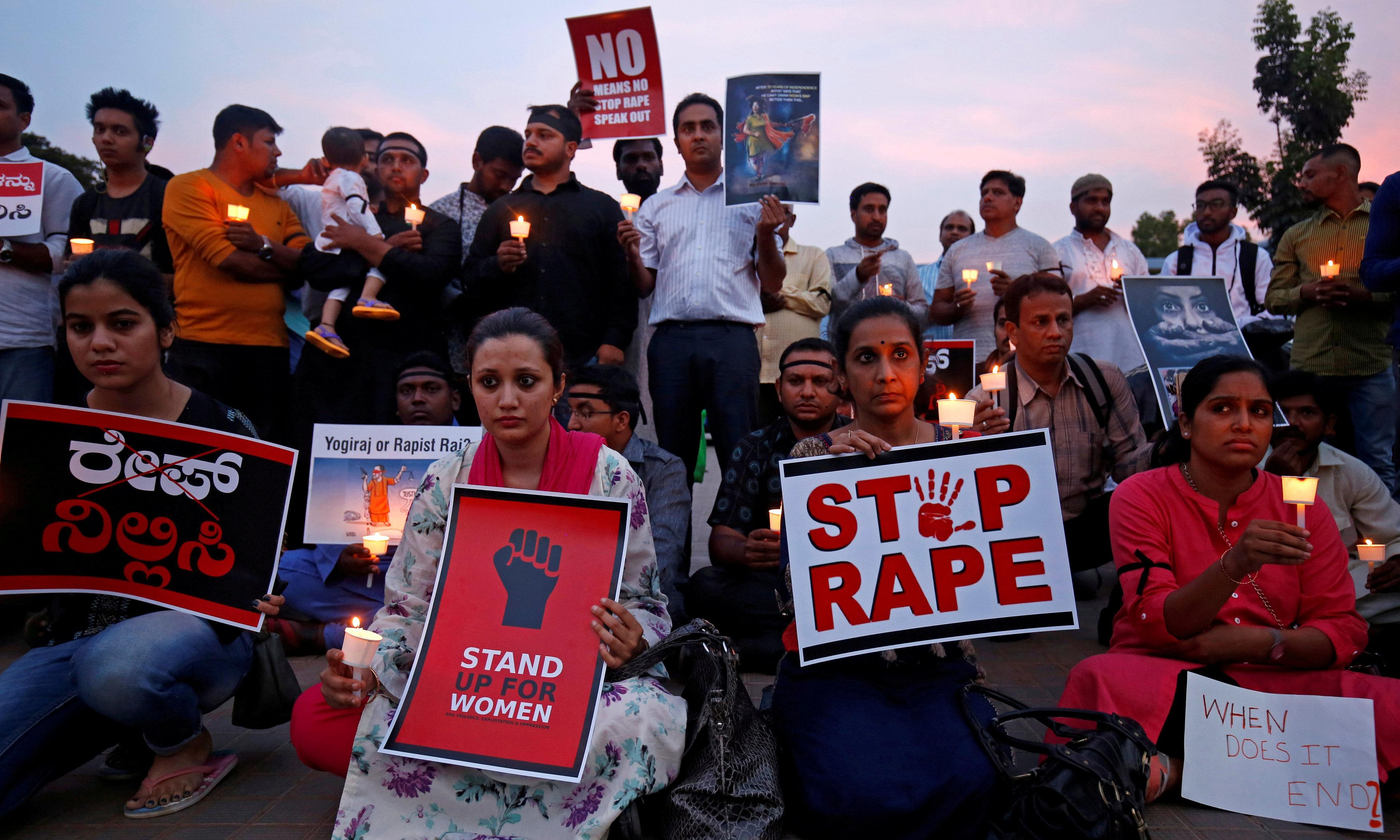 India: woman set on fire on way to testify against alleged rapists