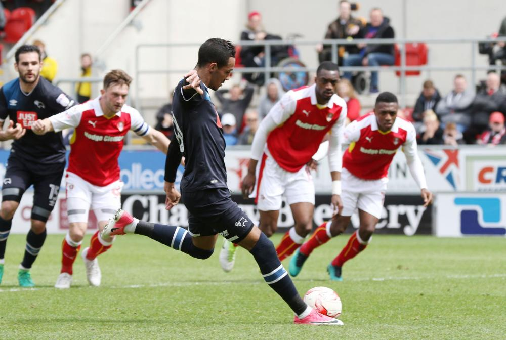 Tom Ince scores for Derby from the spot.