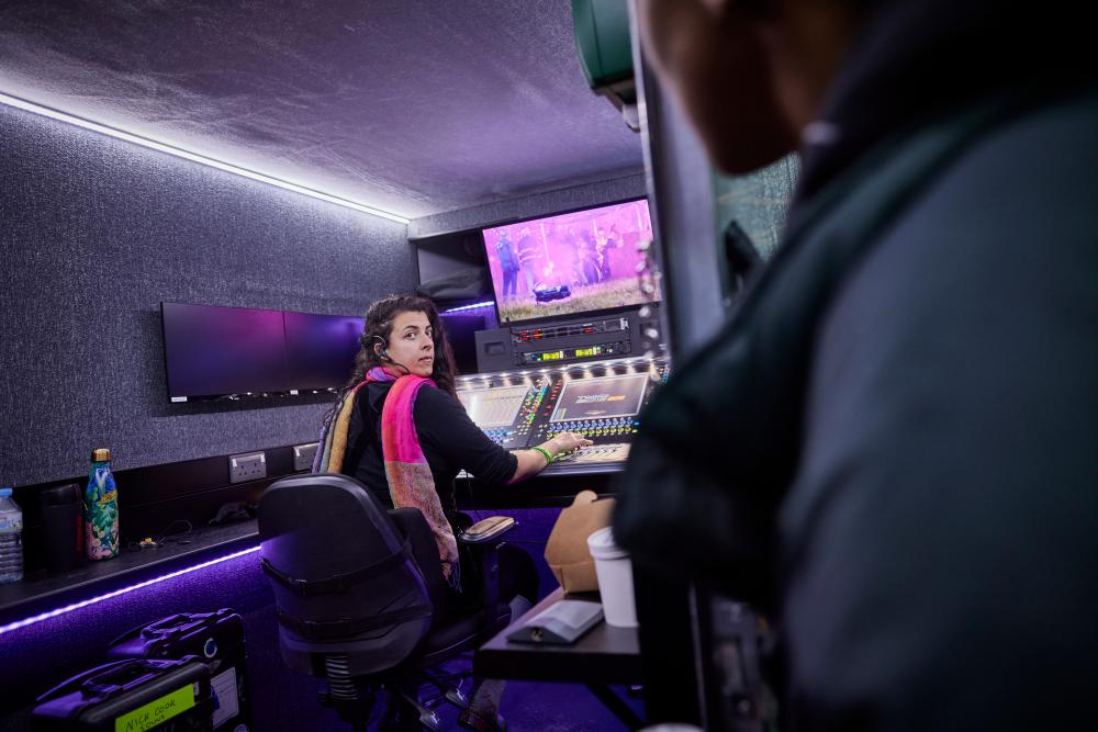Jorja Smith's monitor engineer Karima.