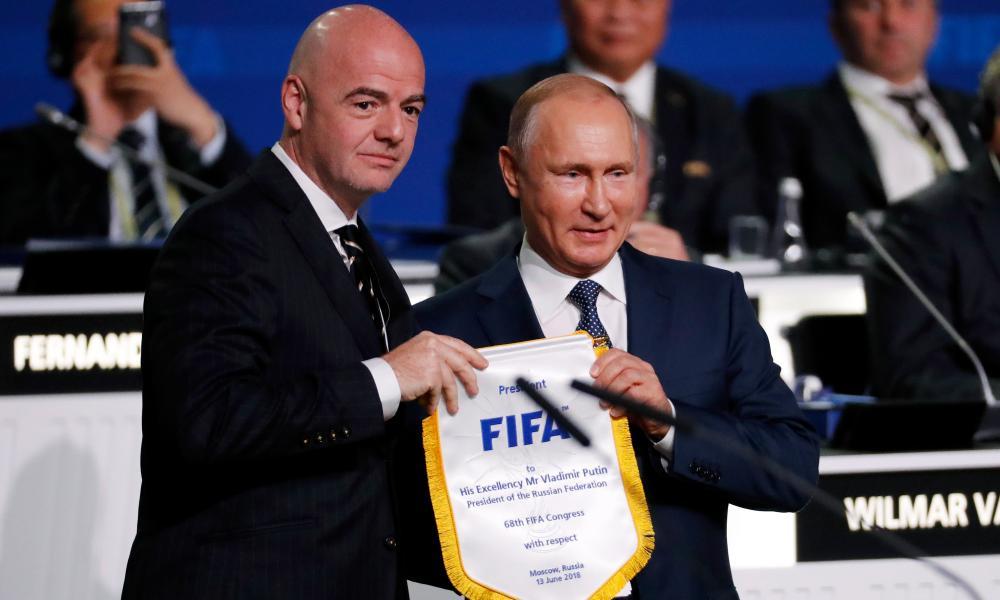 Fifa's president Gianni Infantino with Russian Vladimir Putin.