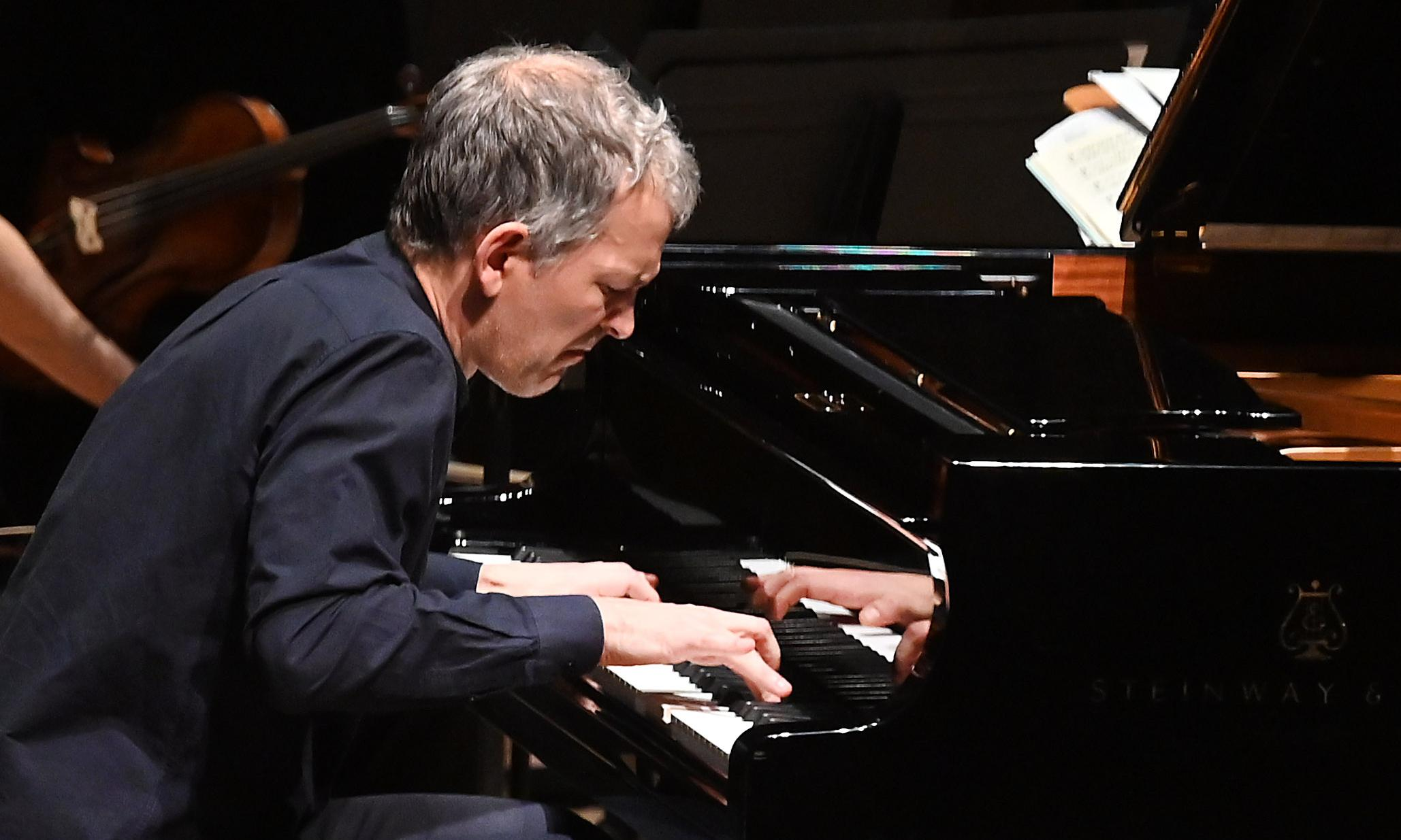 Brad Mehldau and Britten Sinfonia review – jazz virtuoso finds greater focus in first concerto
