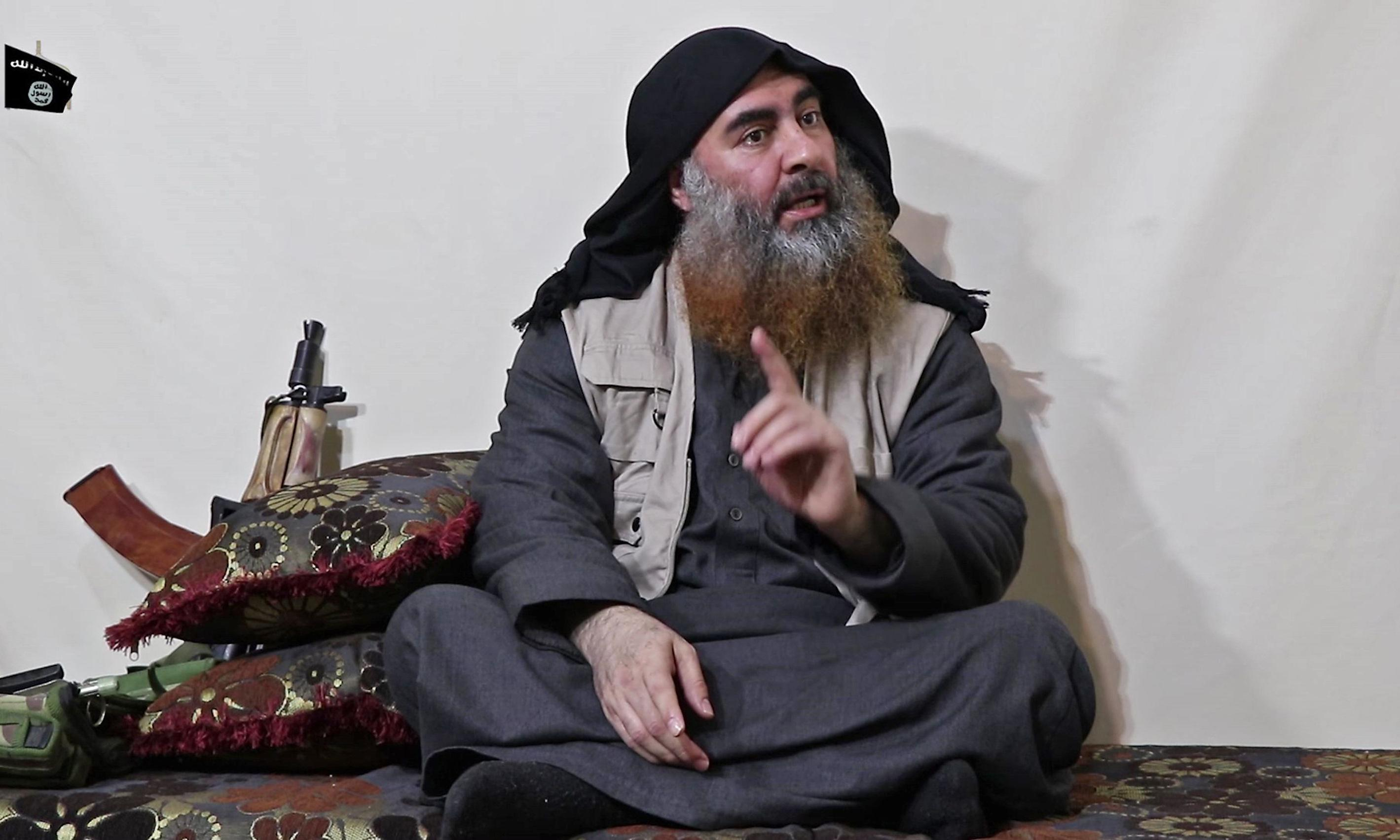 Isis leader purportedly urges members to free detainees from camps