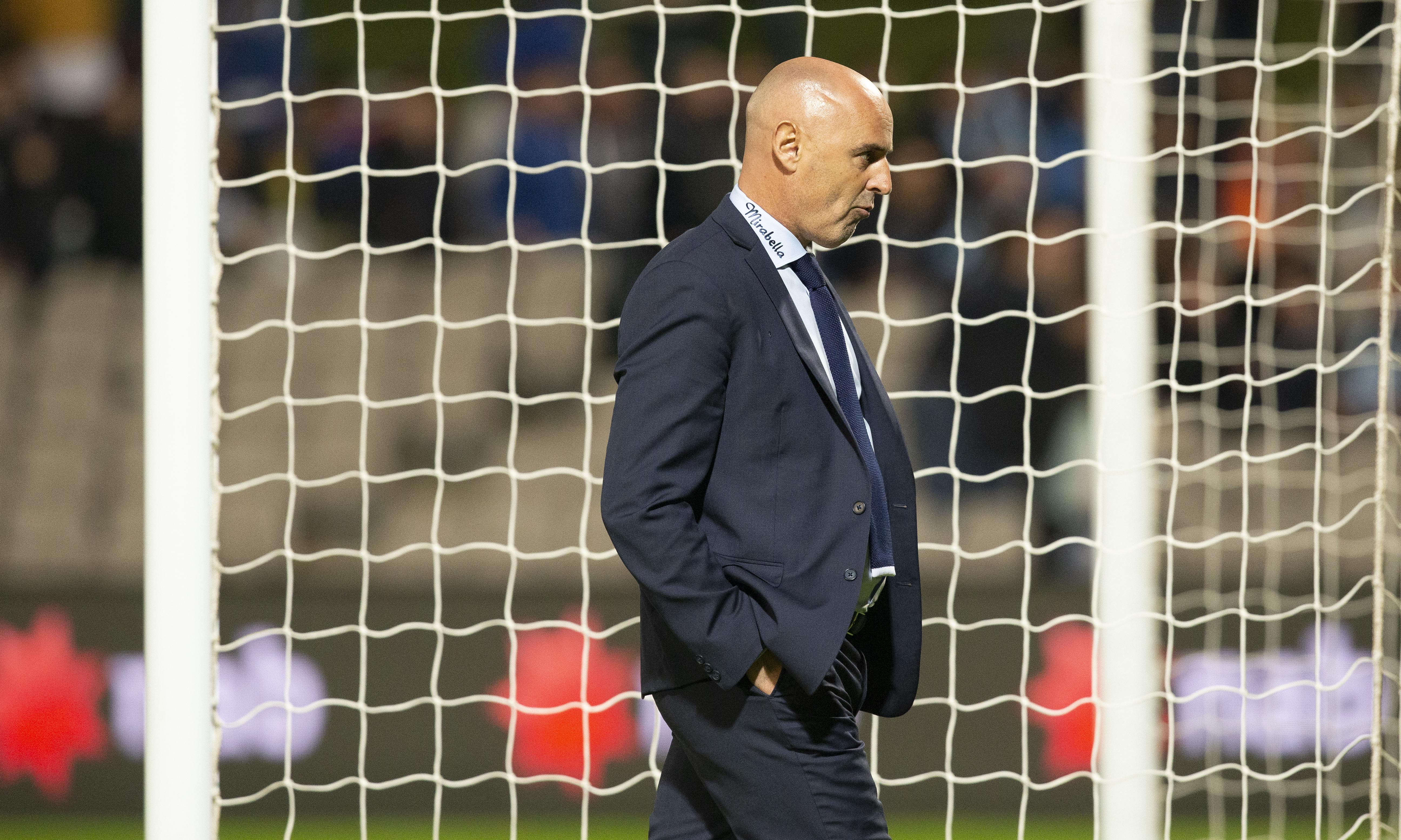 Kevin Muscat stands down as Melbourne Victory coach
