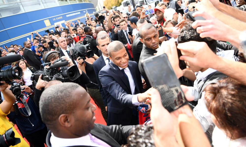Kylian Mbappé moved to PSG in a season-long loan deal with a €180m buy-out clause attached in 2017.