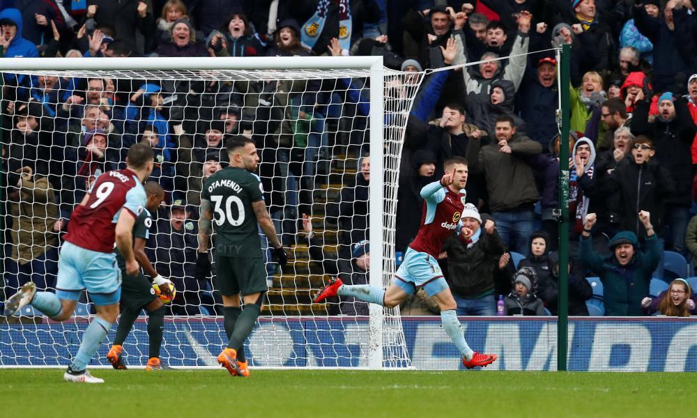 Gudmundsson celebrates after scoring the Burnley equaliser.