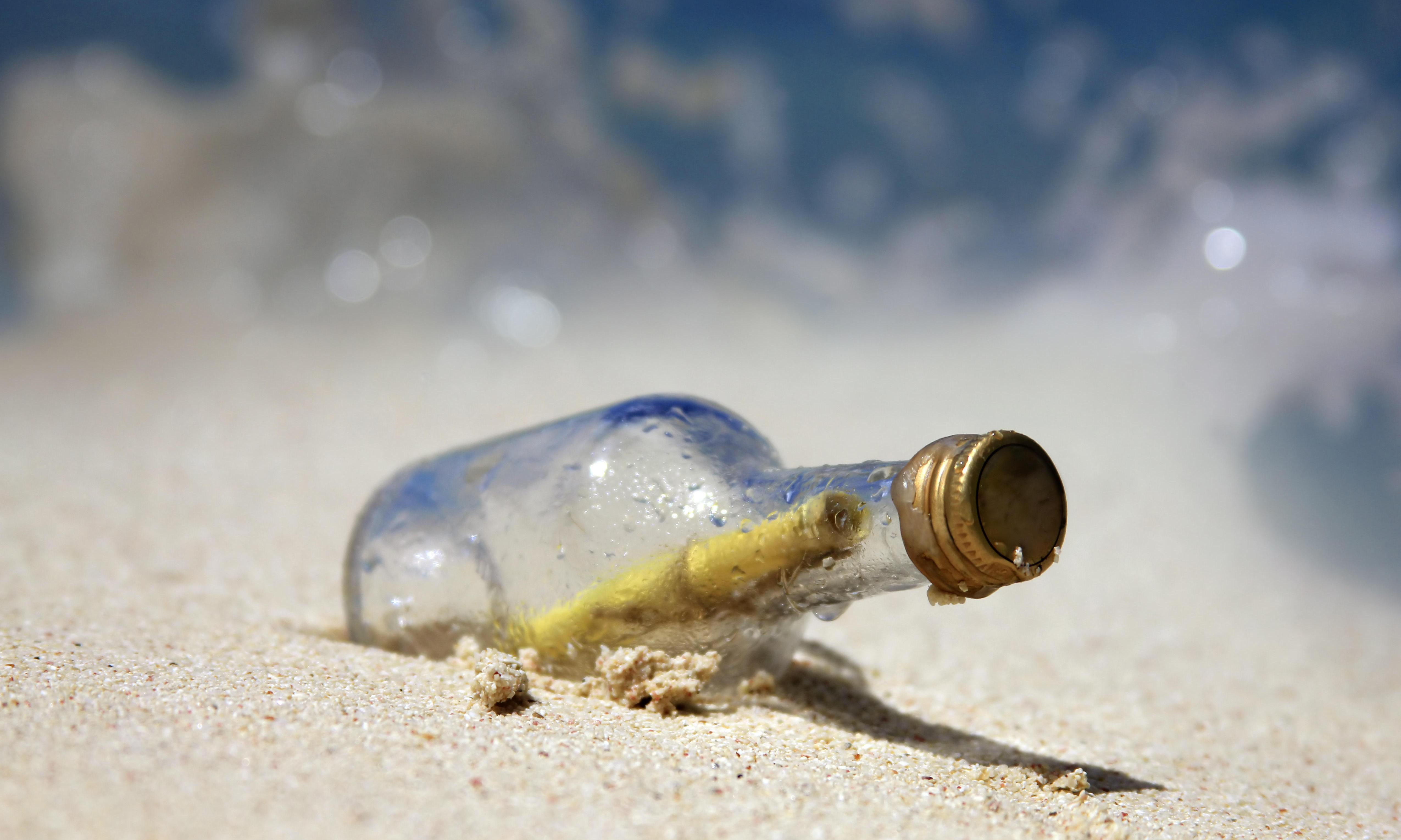 US student receives reply to message in a bottle nine years later – from France