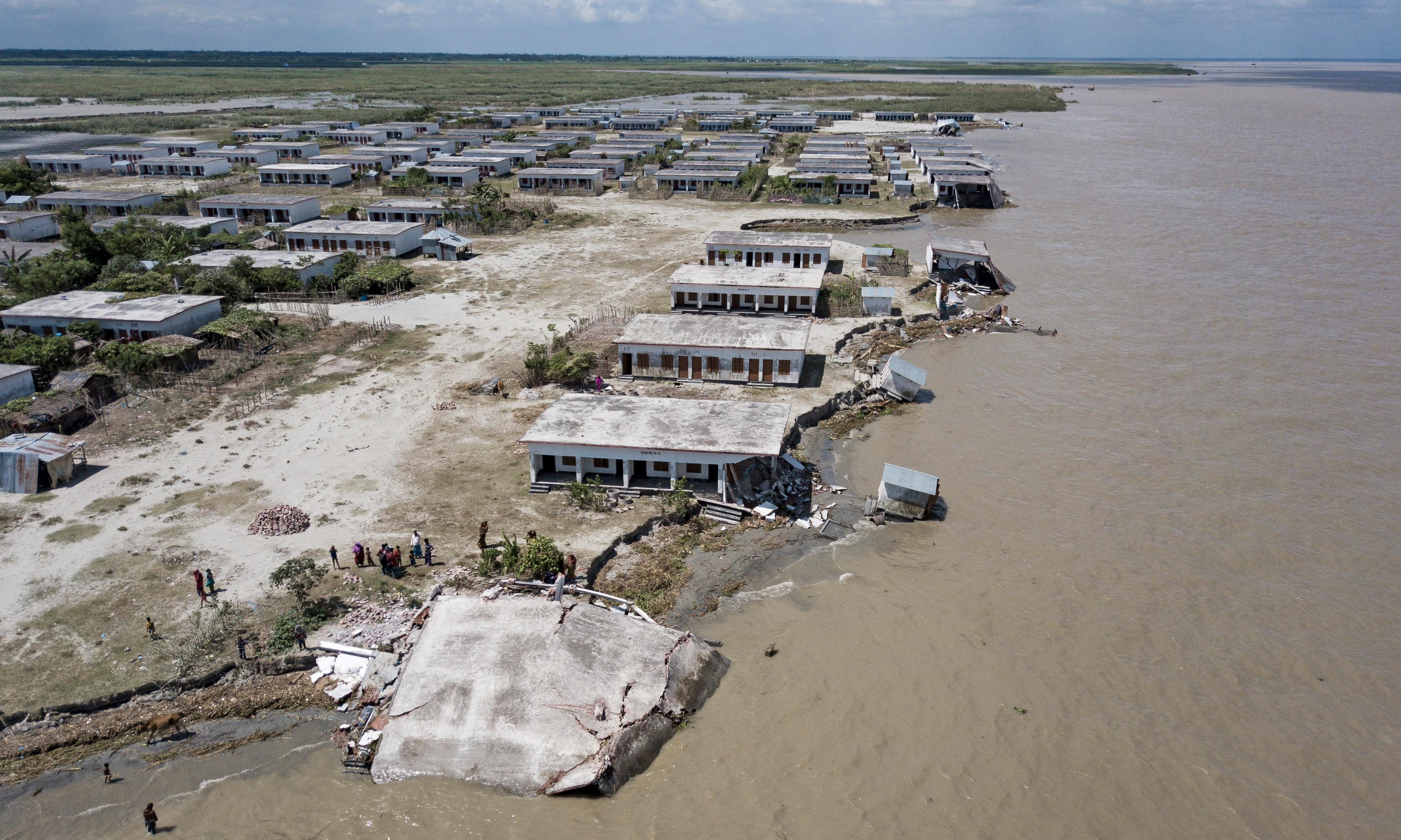 Rising sea levels pose threat to homes of 300m people – study
