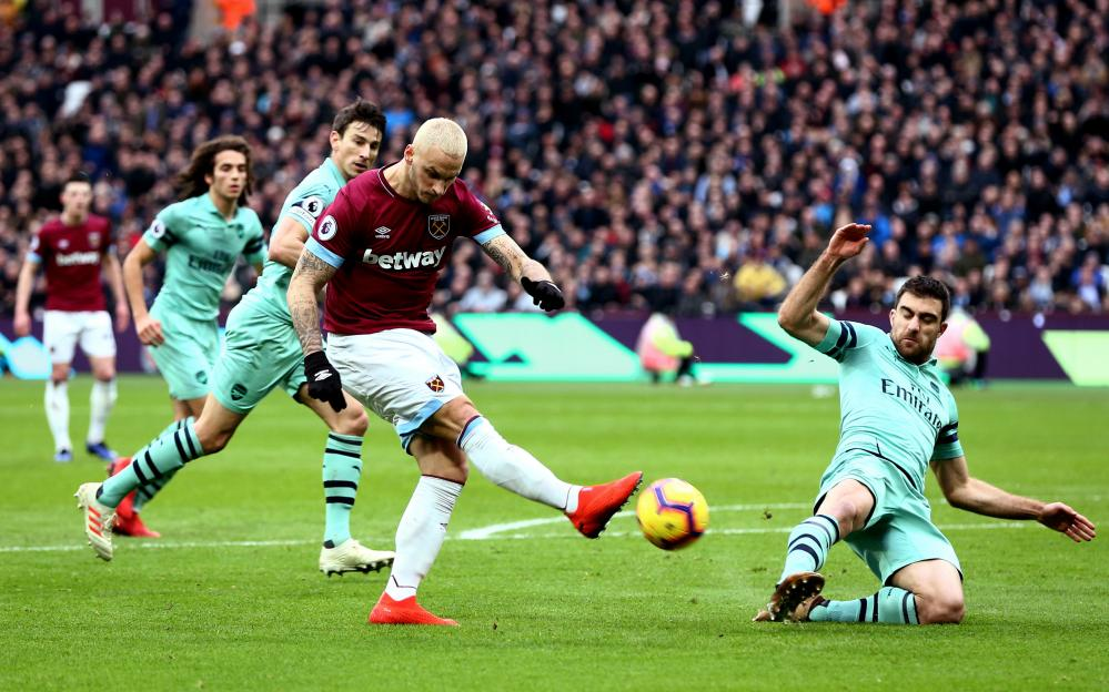 Marko Arnautovic takes a shot.