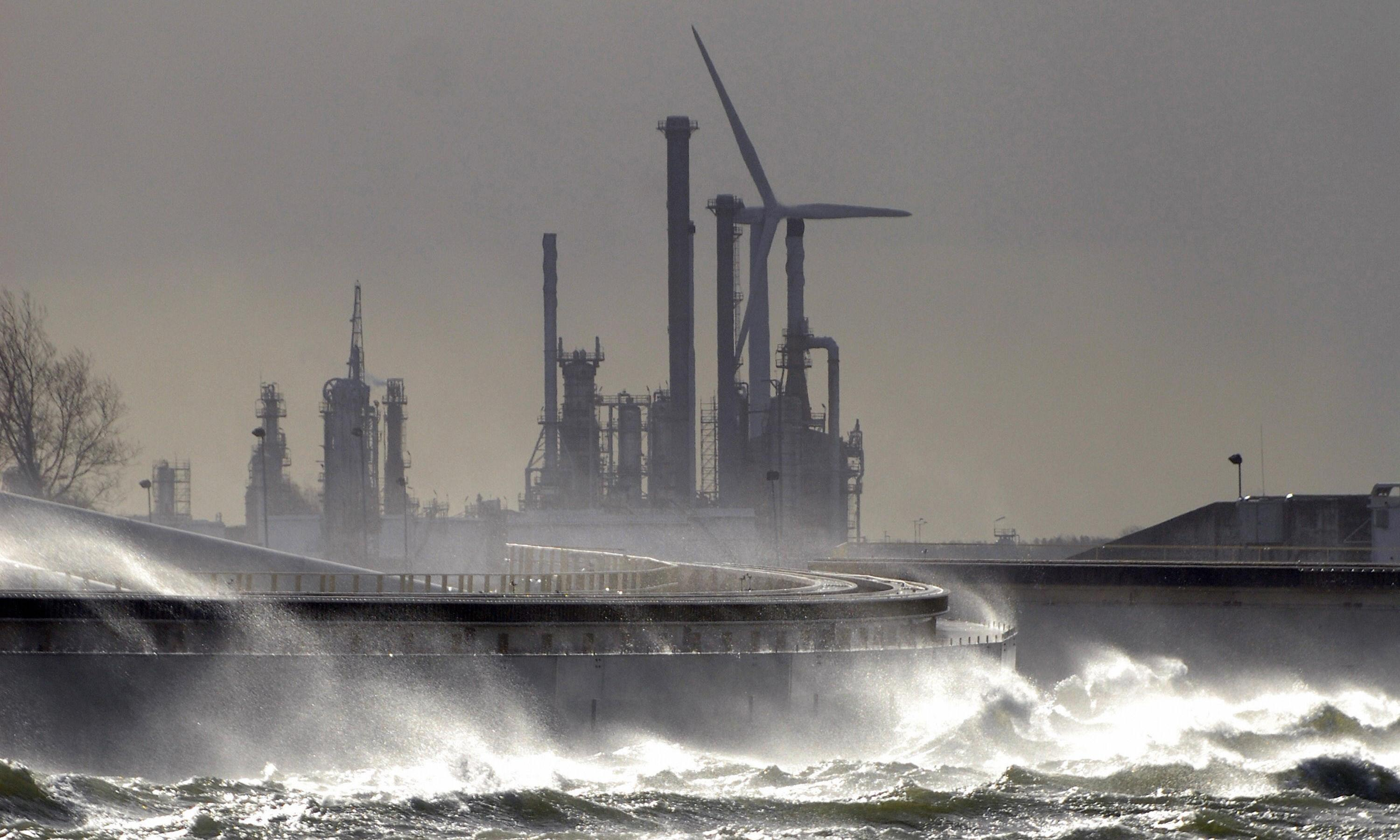 Giant dams enclosing North Sea could protect millions from rising waters