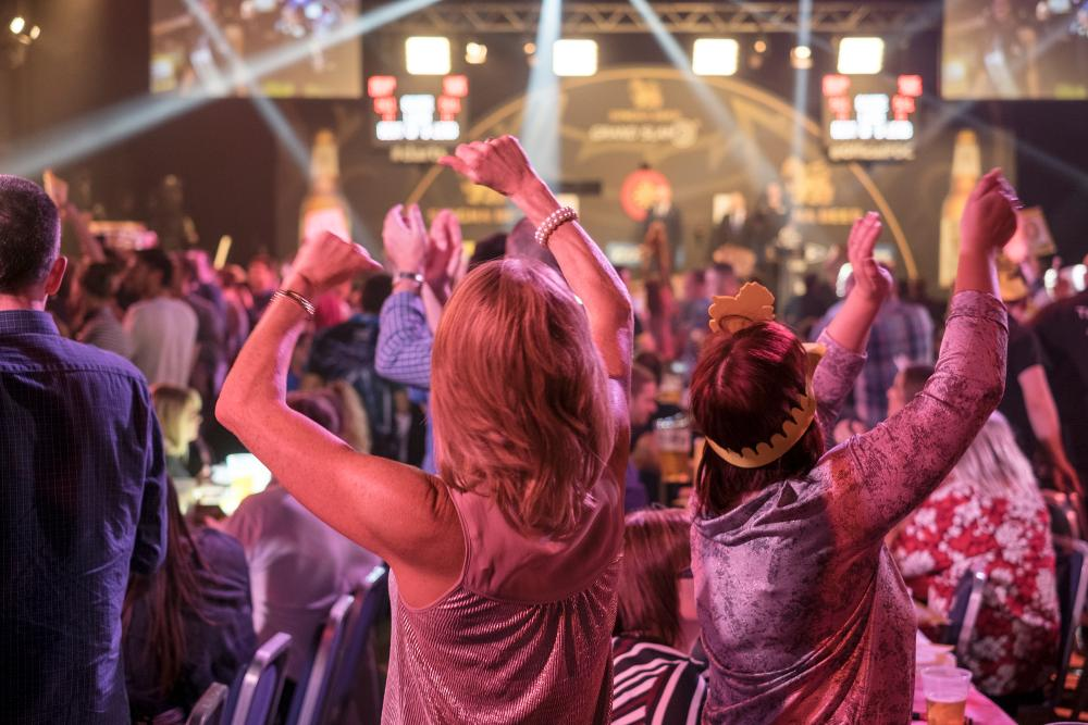 a grand slam night of darts a picture essay sport the guardian night at the arrows