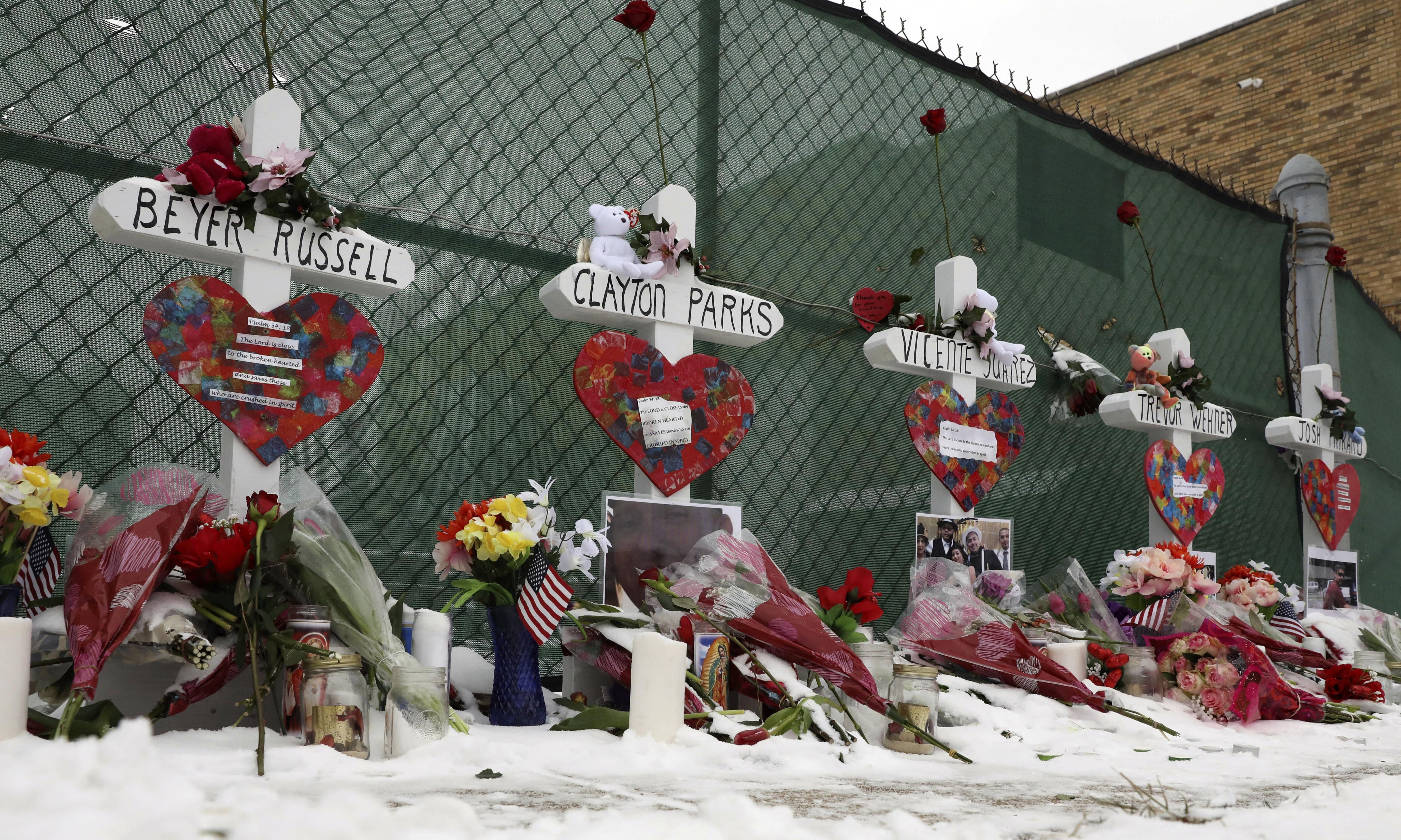 Aurora shooting: background check failures let gunman keep firearm