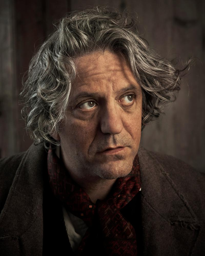 Giorgio Locatelli as Bill Sikes.