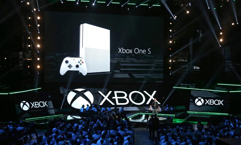 XBox presser at 2016 e3 Expo in Los Angeles.