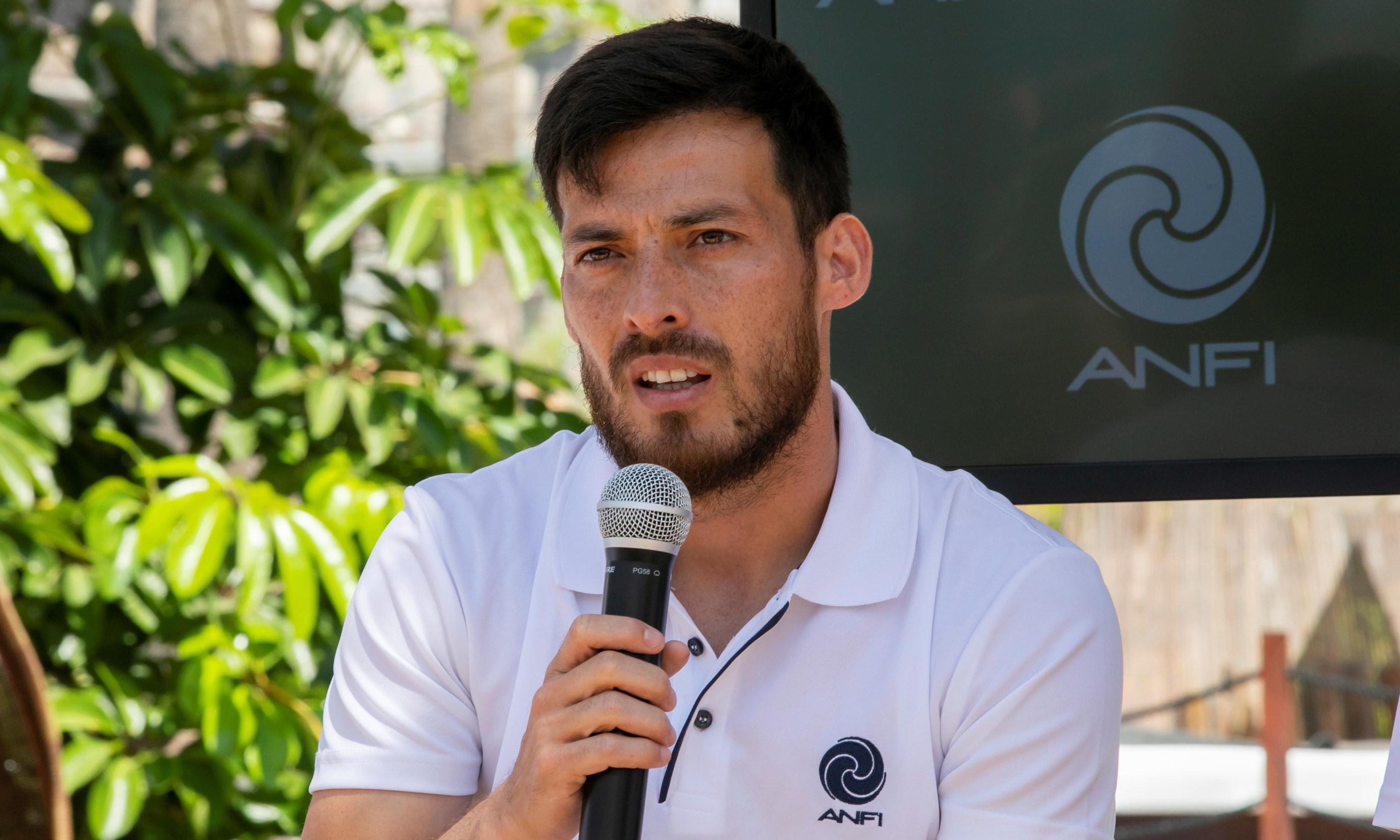 David Silva confirms he will leave Manchester City at end of next season