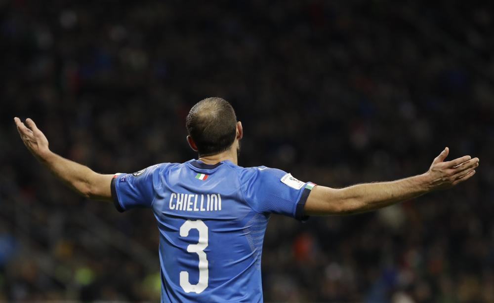 Giorgio Chiellini gestures in despair.