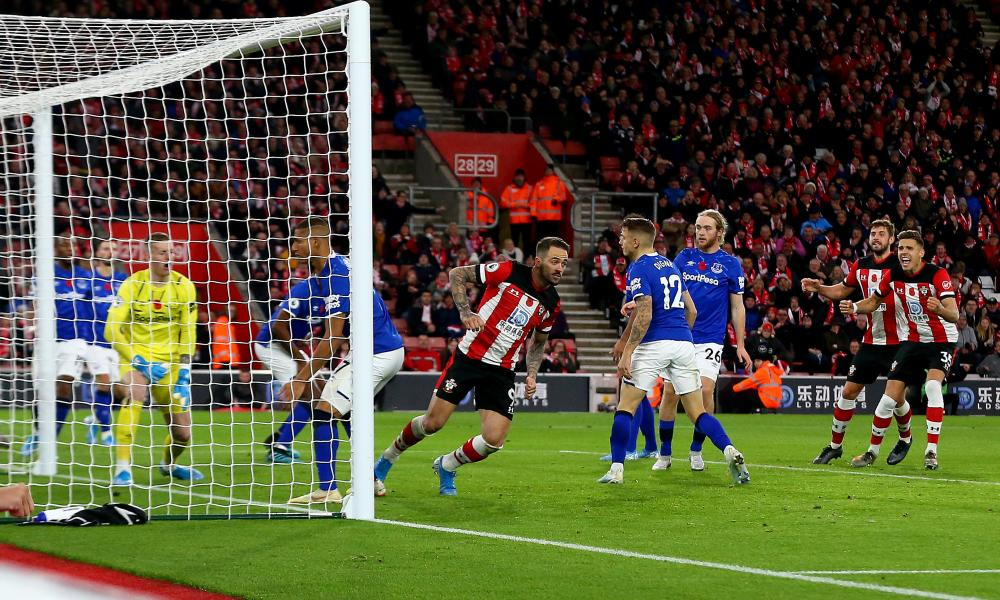Danny Ings (centre) scores to make it 1-1.