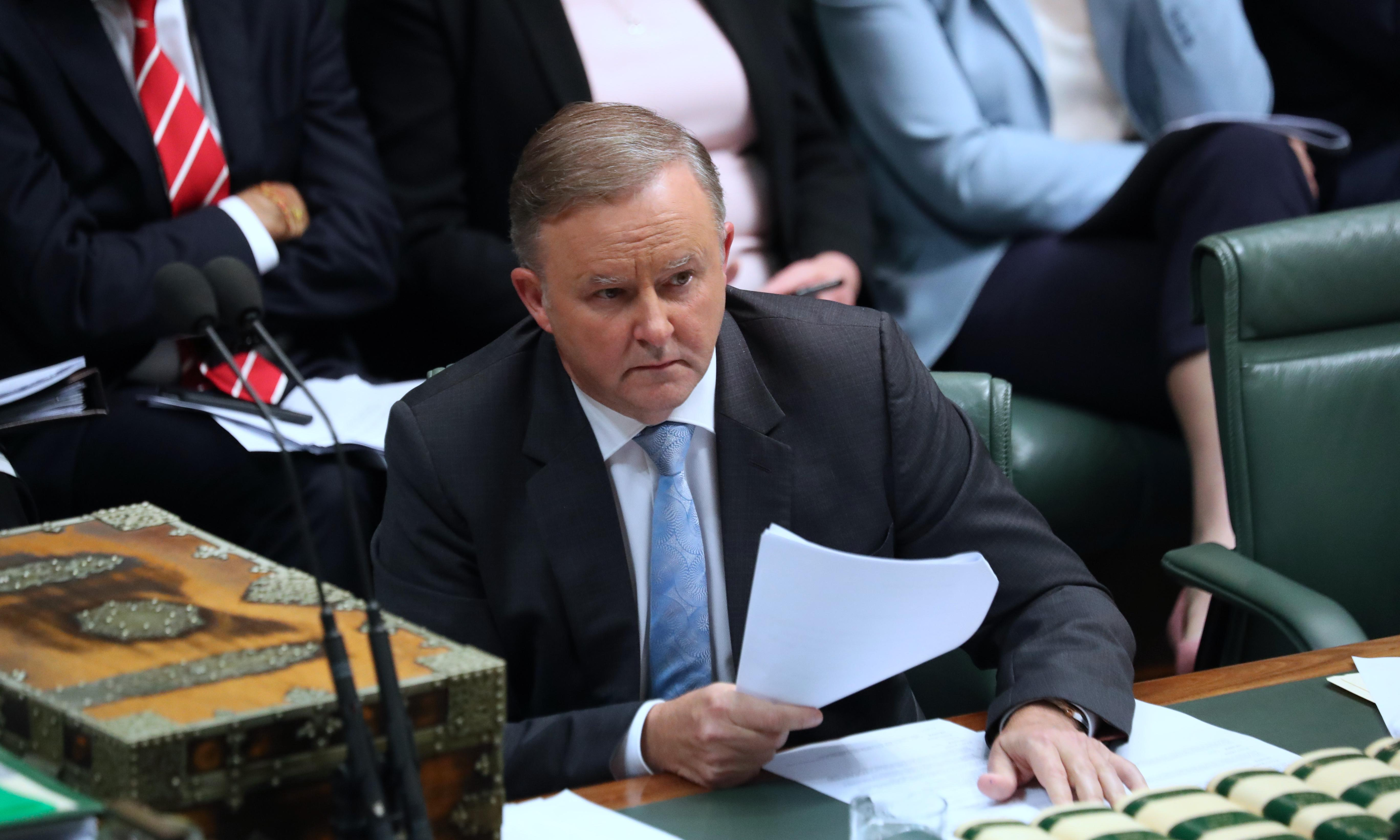 Union anger at Labor for siding with Coalition on new free trade deals