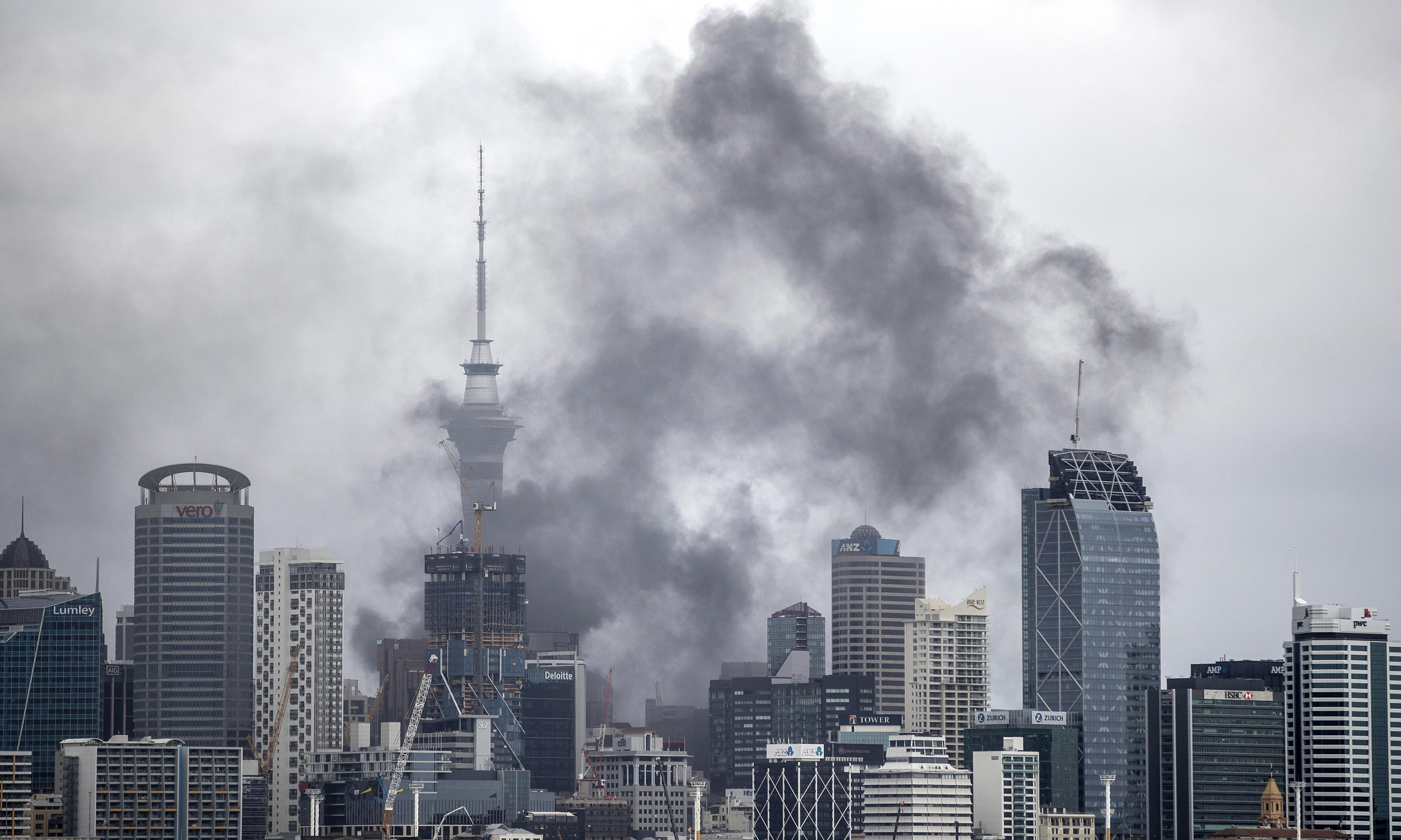 Auckland fire: heart of city shuts down as firefighting effort enters day three