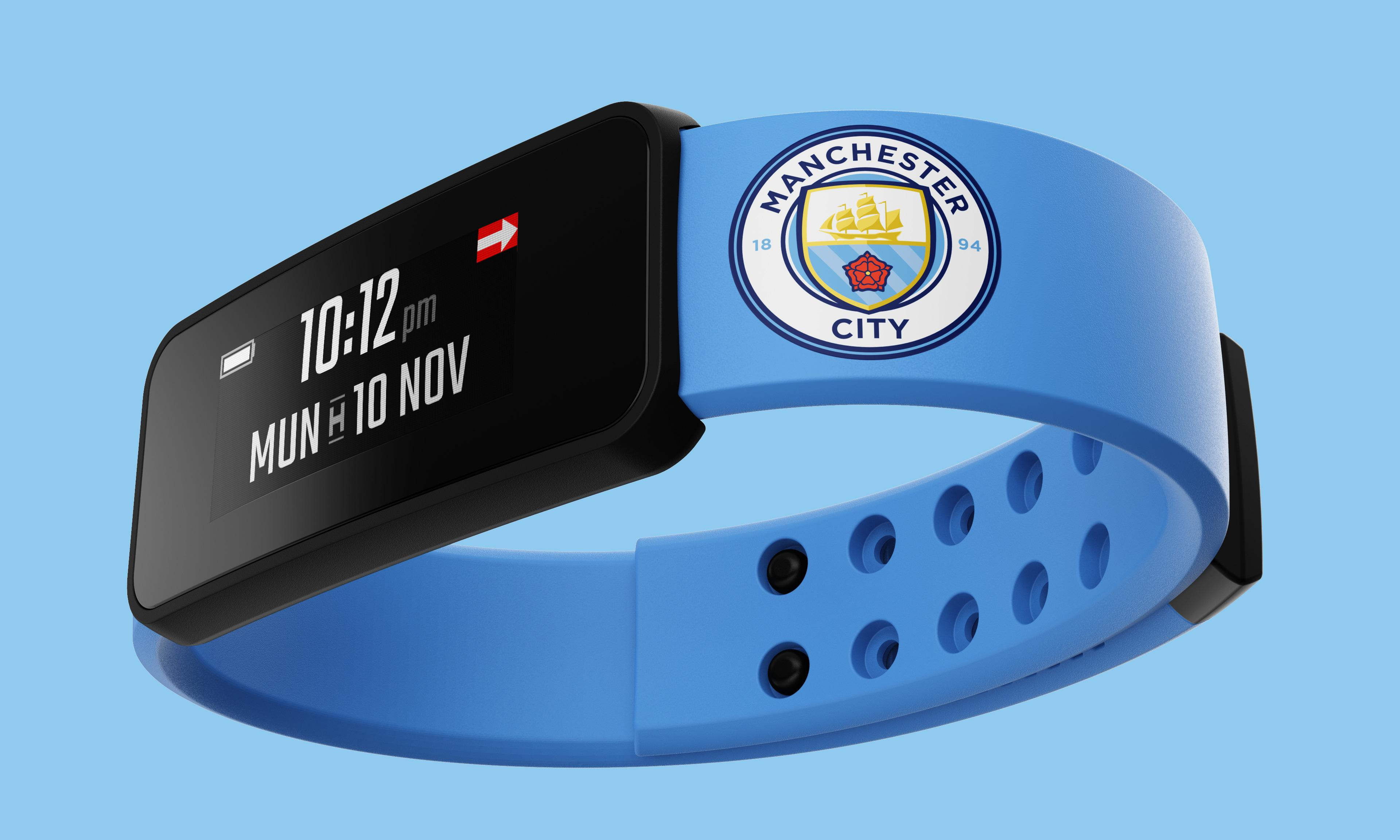 Manchester City's smart band of gold seems to have scrambled fans' minds