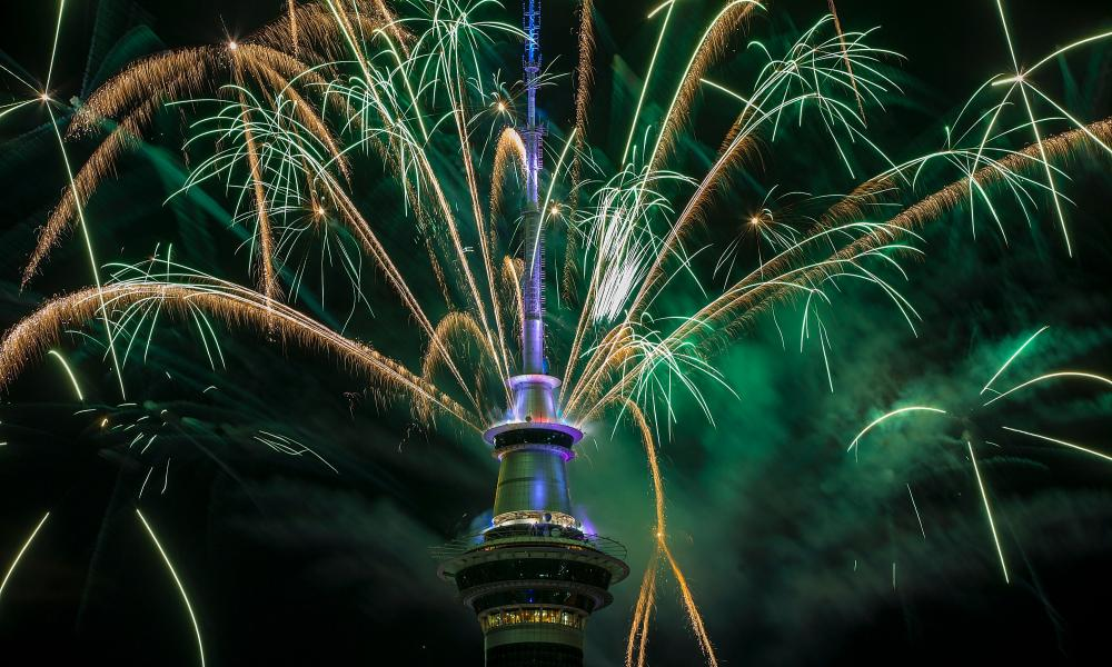 The pyrotechnic display in Auckland used 500kg of fireworks, one tonne of equipment and 10km of wire.