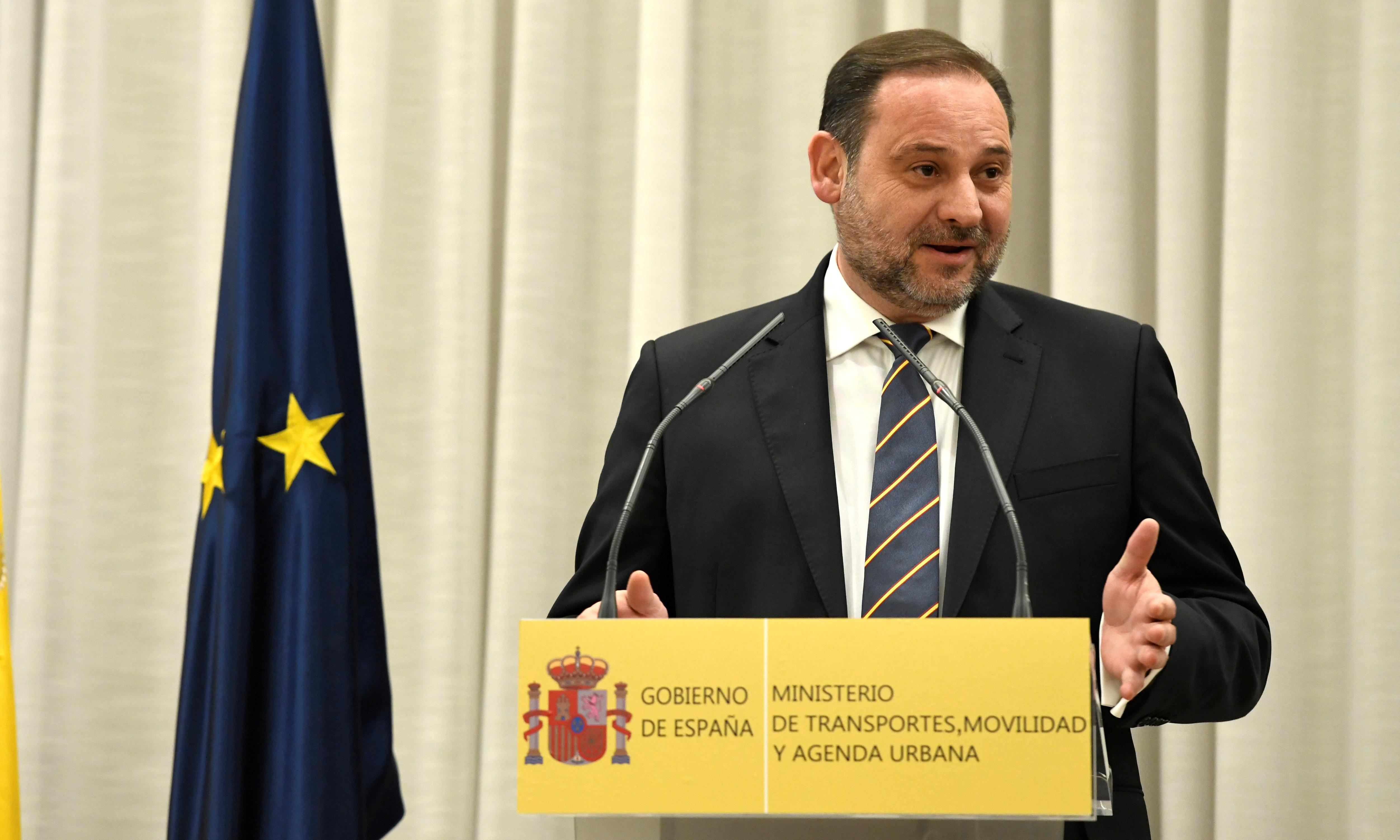 Airport meeting lands Spanish minister in Venezuela controversy