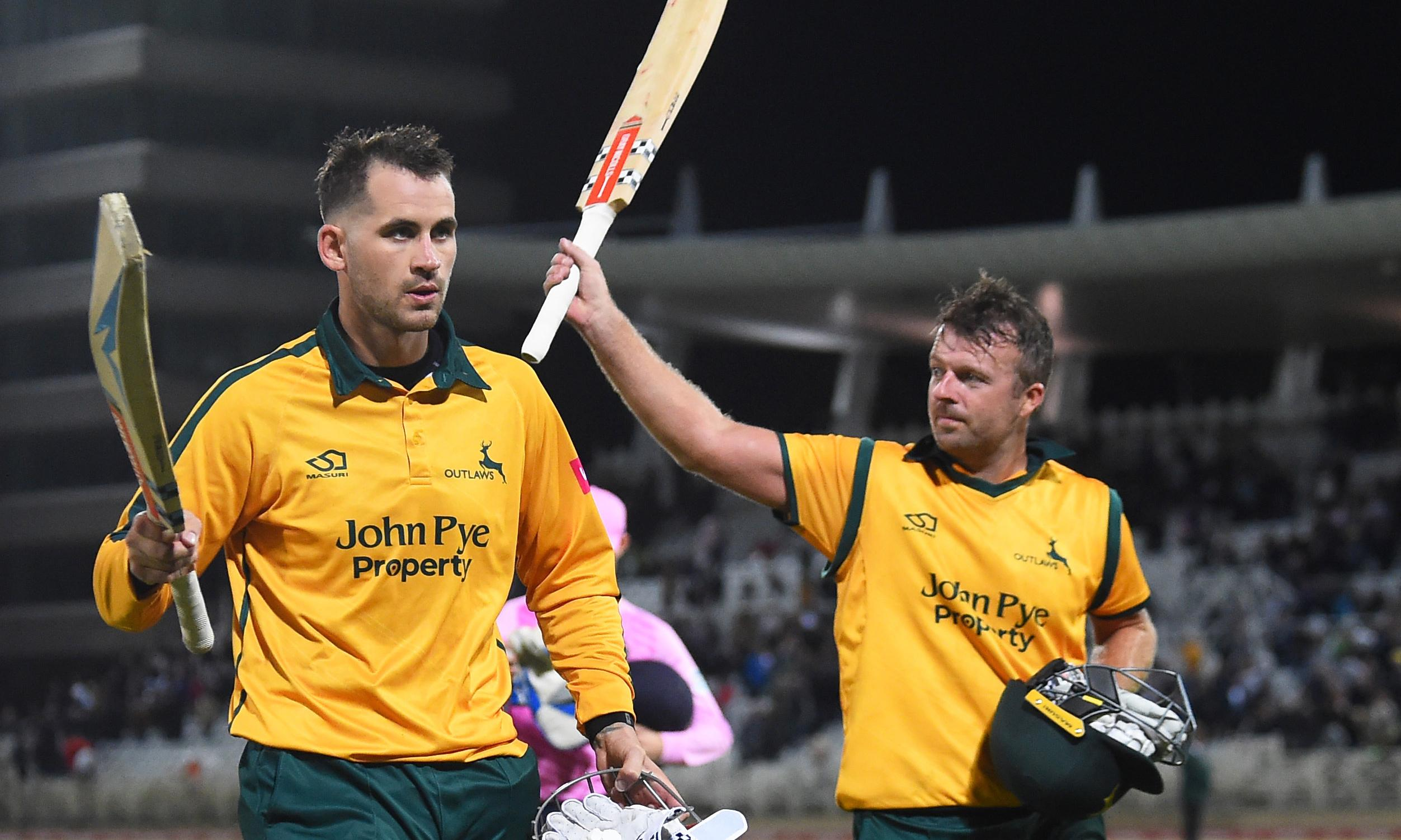 T20 Blast: Notts Outlaws crush Middlesex to reach Finals Day