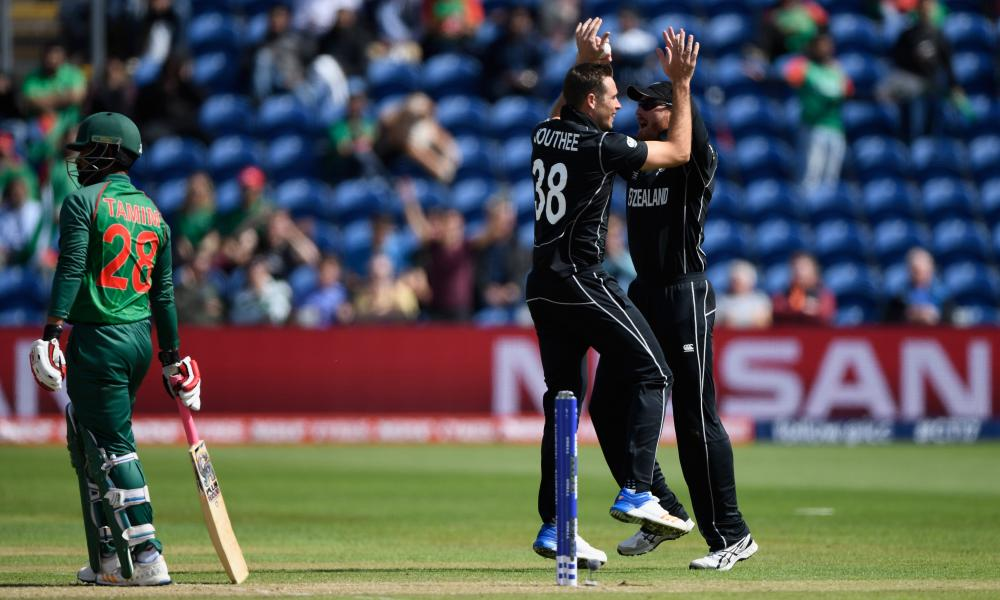 New Zealand bowler Tim Southee celebrates dismissing Bangladesh batsman Tamim Iqbal.