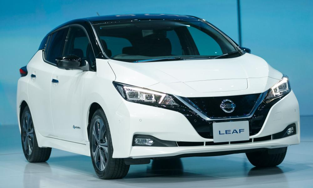 new nissan leaf has one pedal driving mode for both accelerating and braking execreview. Black Bedroom Furniture Sets. Home Design Ideas