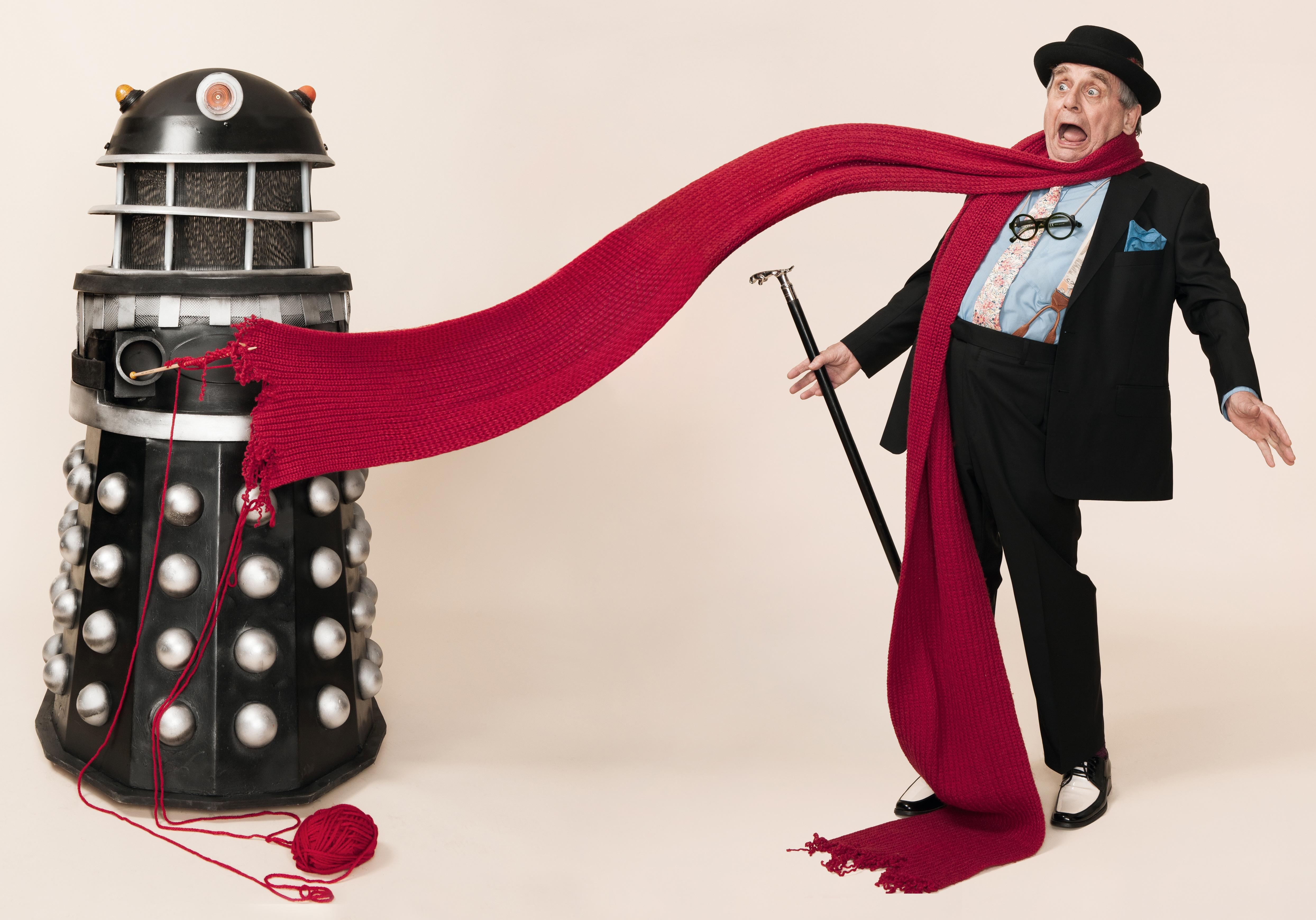 Extermiknit! Extermiknit! Doctor Who scarves tested by a Time Lord